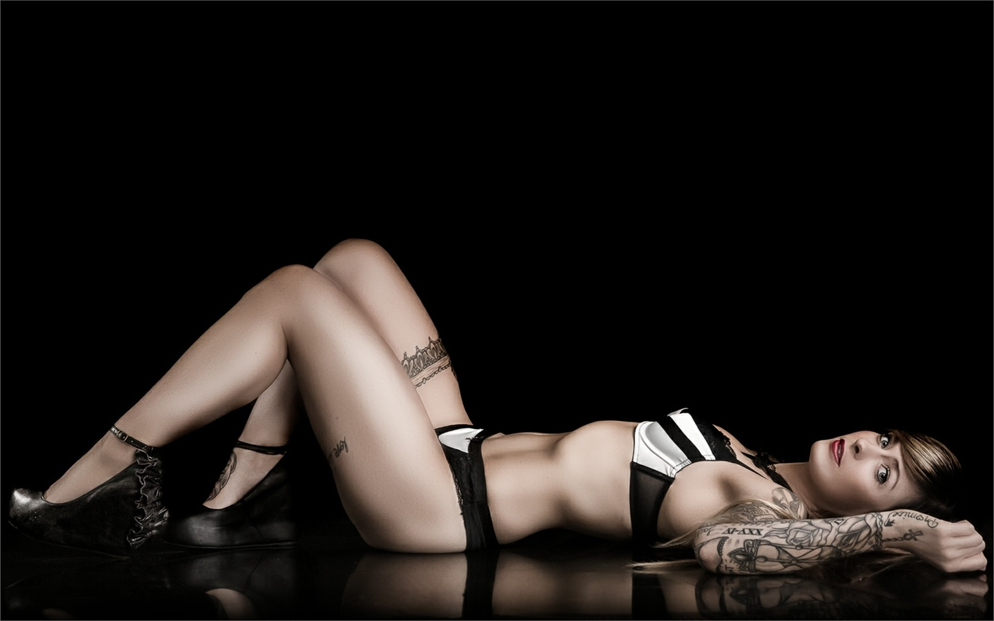 tattoo, shoes, arm, legs, body, girl, model, beauty, sexy