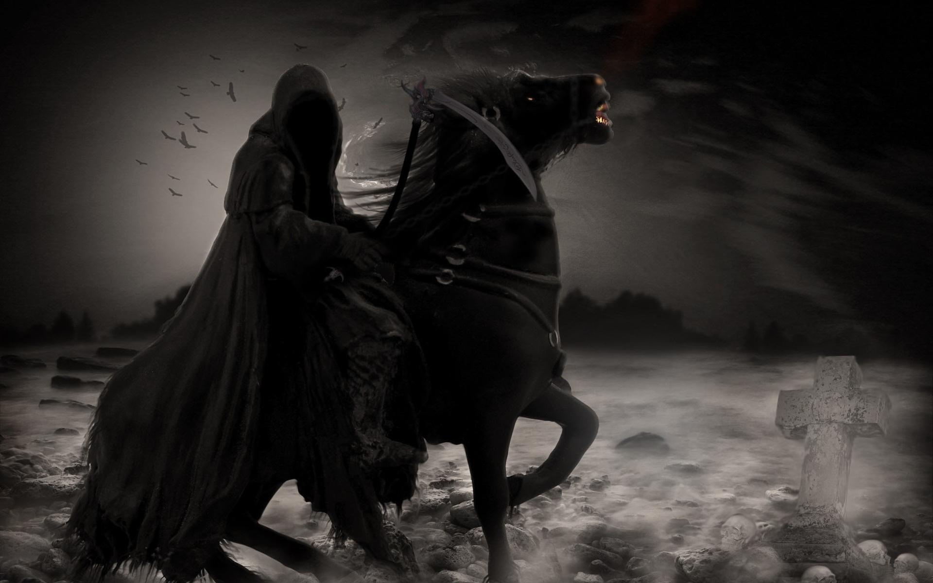 Видеть во сне всадника — неприятность есть и другие значения — в зависимости от того, что на всаднике одето какой под ним конь и т.