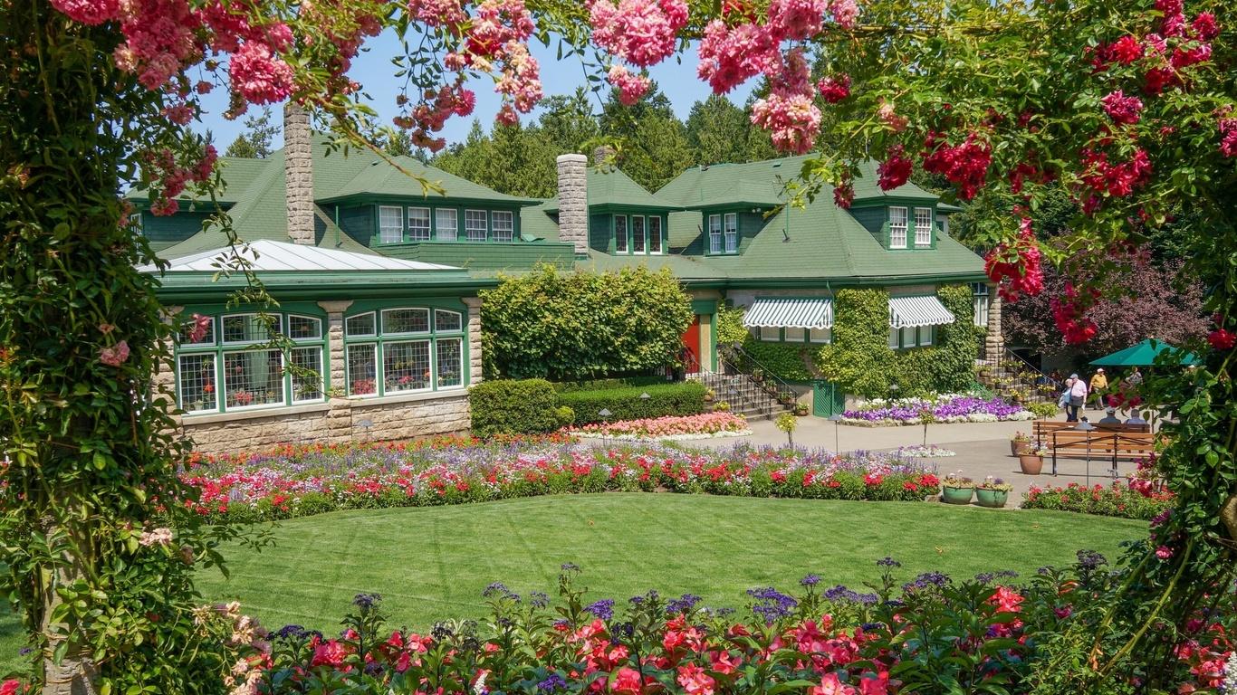 butchart gardens, british columbia, canada, сады бутчартов, канада, итальянский сад, цветы, газон, здание