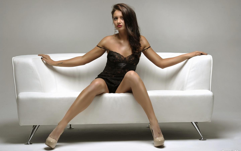 Фото категория сексуальные ножки, Голые ножки - красивые девушки с голыми ногами на фото 24 фотография