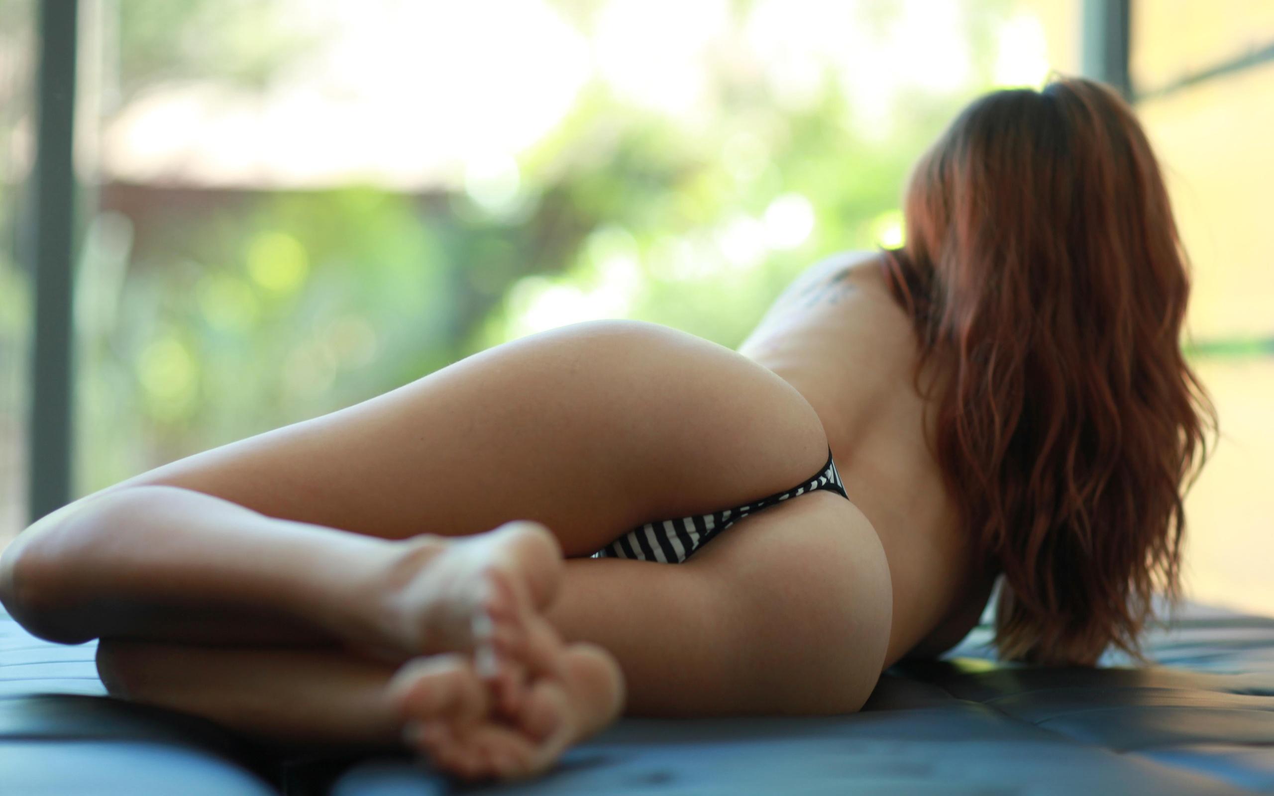 Фото рыжей жопы, массаж превращающийся в секс