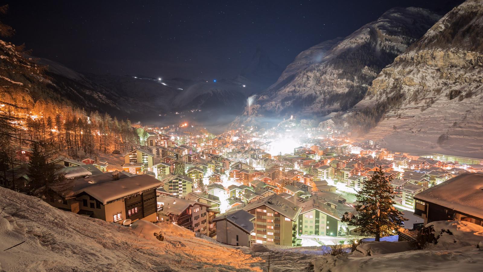швейцария, городок, ночь, зима, огни, снег, горы, ущелье, новый год