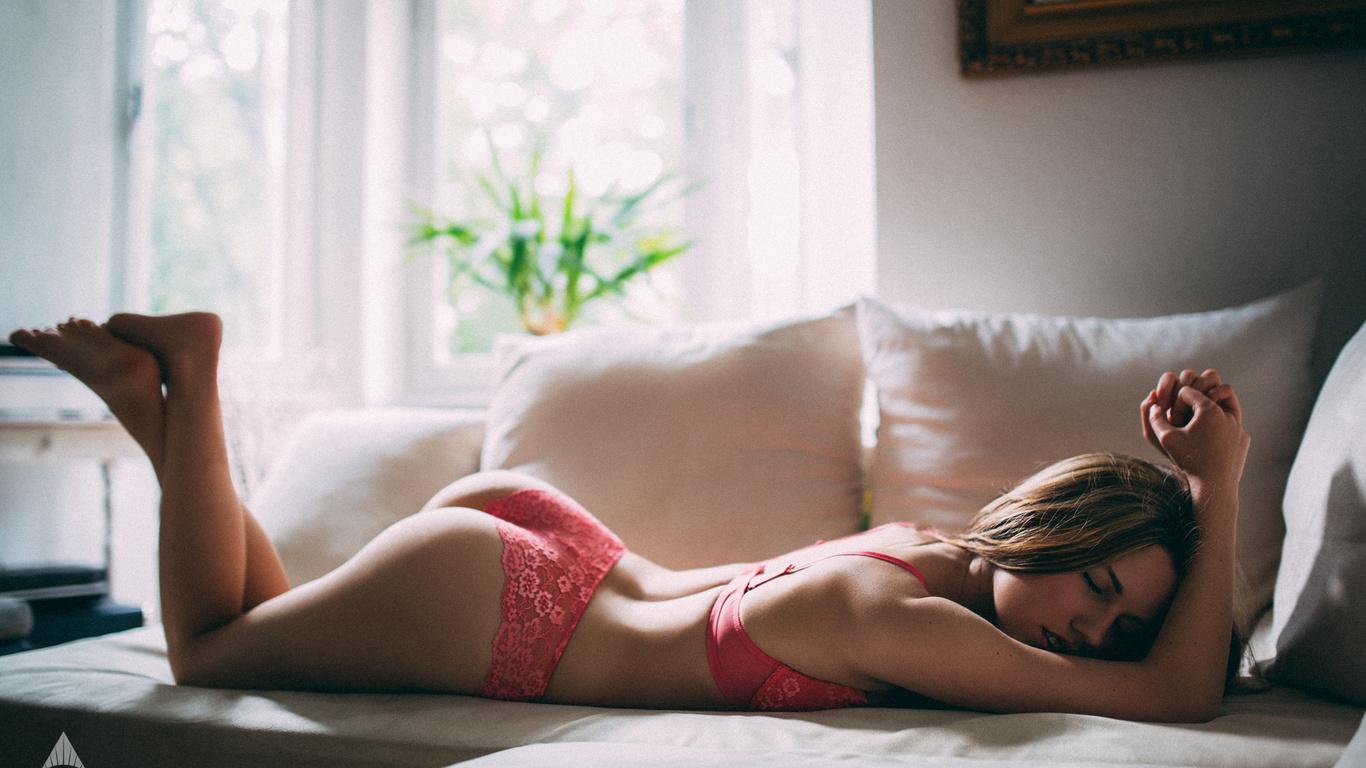 Шикарные девочки без трусиков, Молоденькие красивые девчонки без трусиков 25 фотография