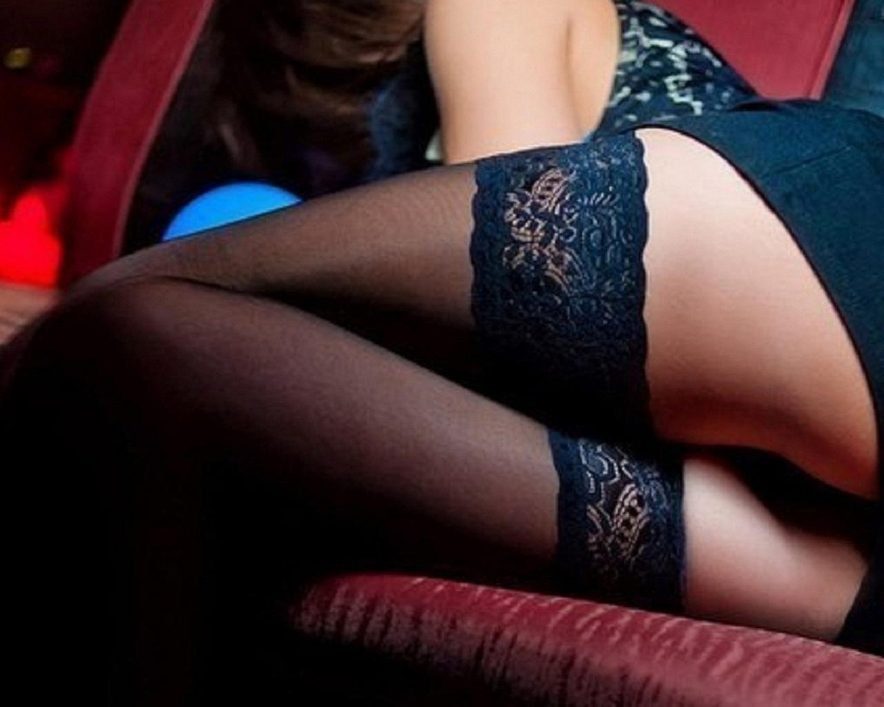 Фото ног в чулках и бикини, секс малицкий девушками