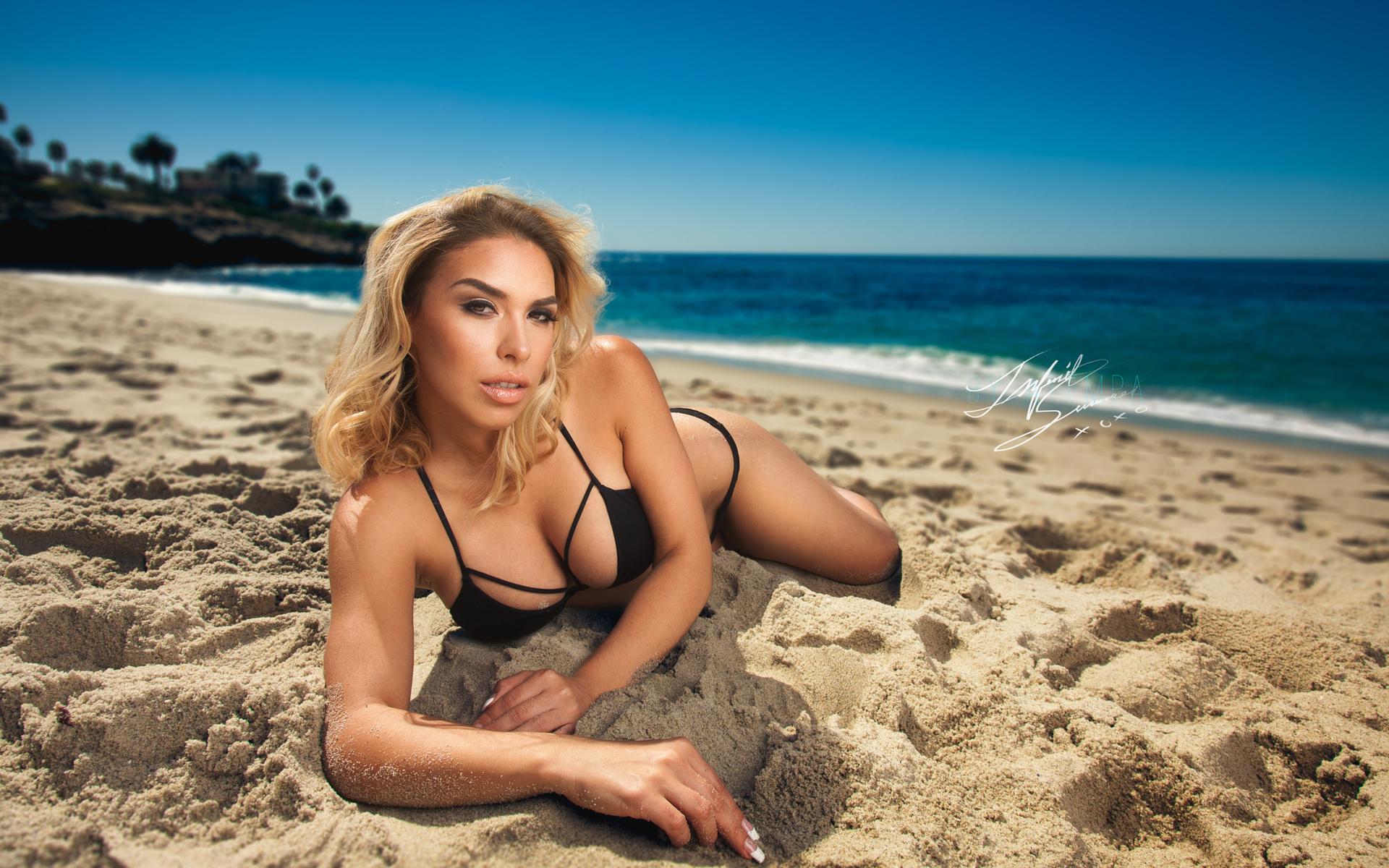 красивые русские девушки на пляже черного моря