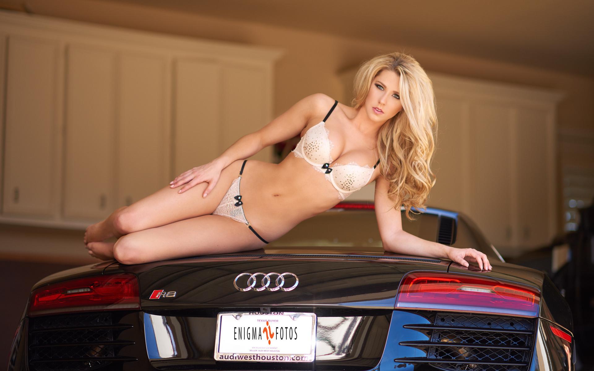 Картинки машины и девушки голе
