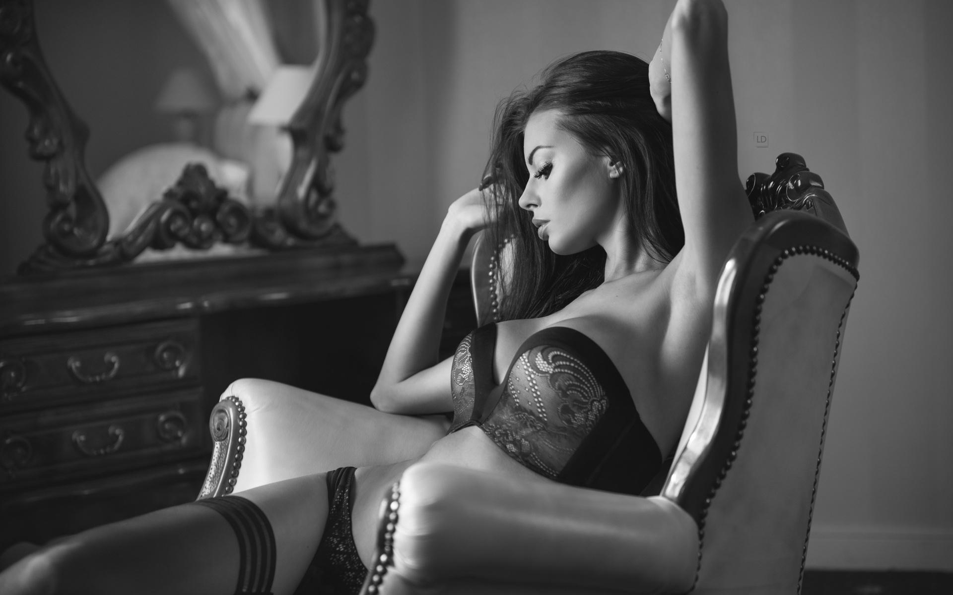 Фото ню девушки в красивых позах, Голые девушки в сексуальных позах (34 фото) 24 фотография