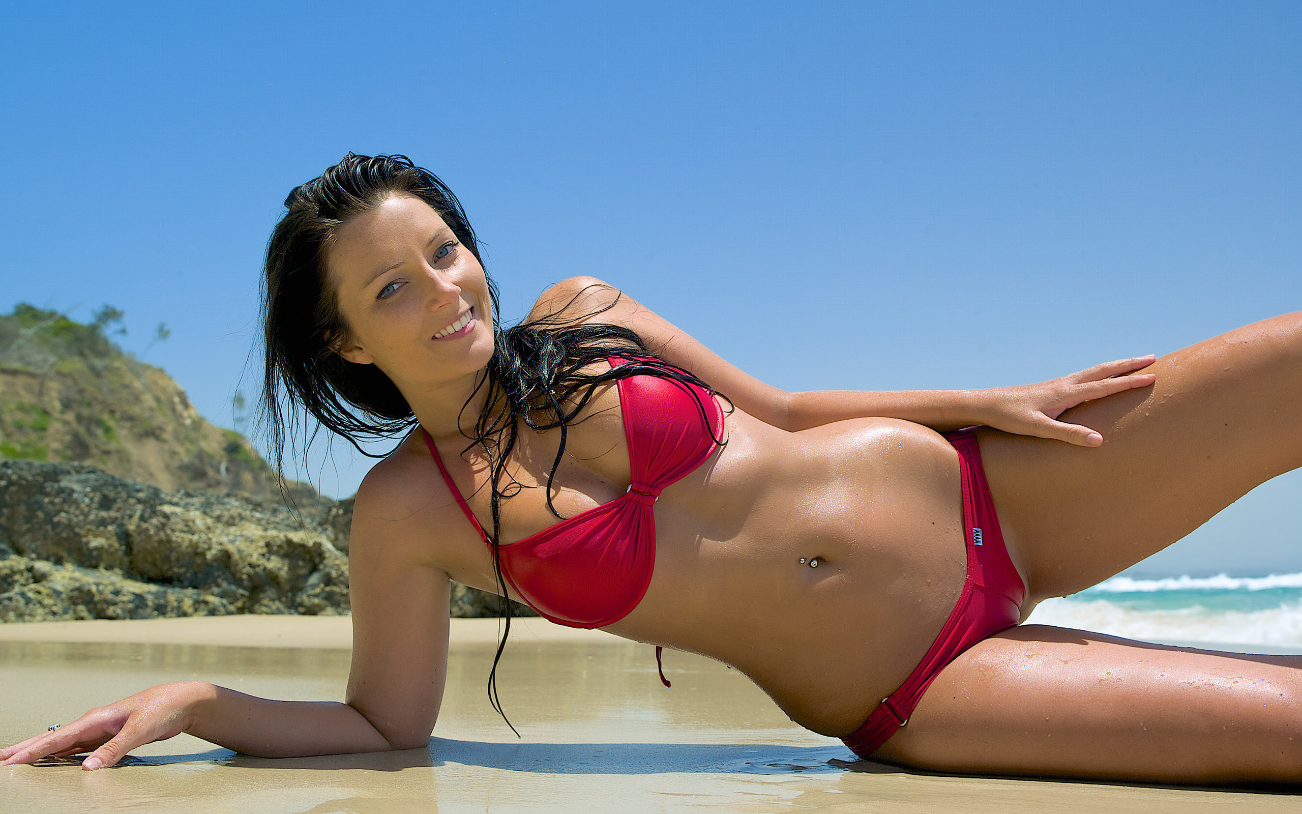 hot-girl-in-bikini-video