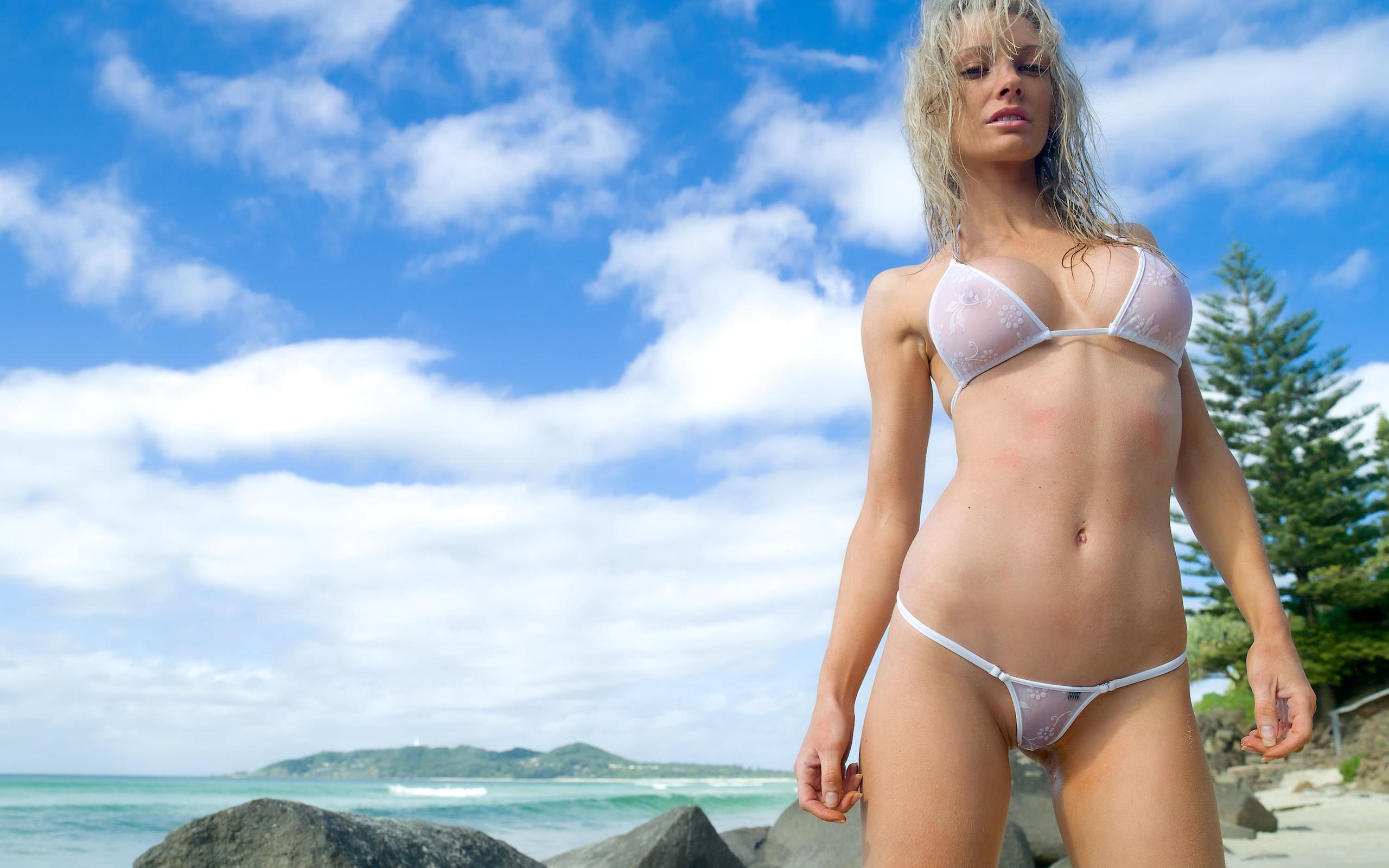 Порно прозрачные купальники фото секси камера