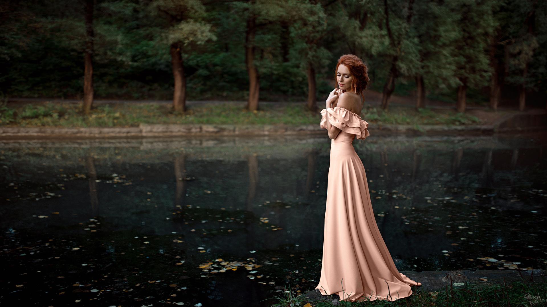 рыжие девушки в красивых платьях фото самые интересные