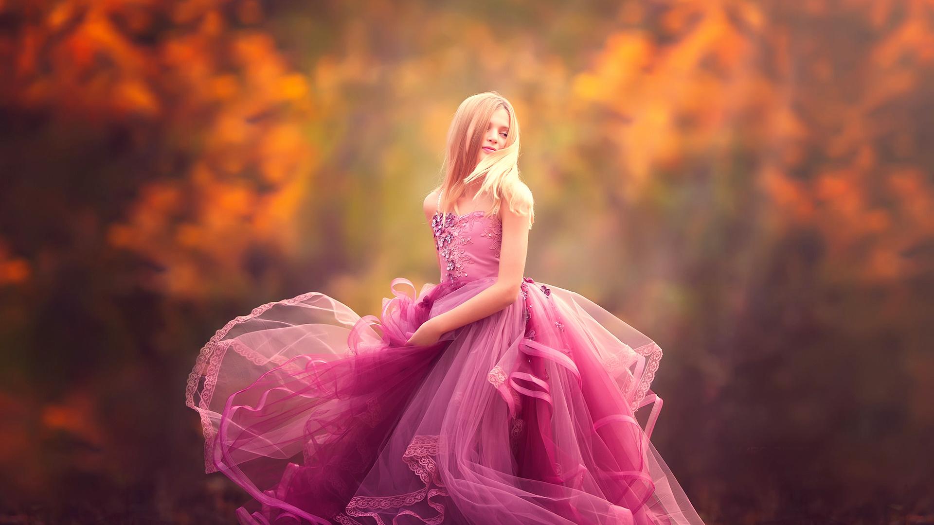 блондинка, розовое, вечернее, платье, осень