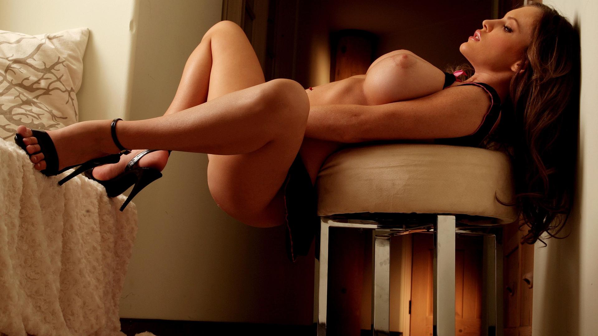 эротические девушки киров направляет струю