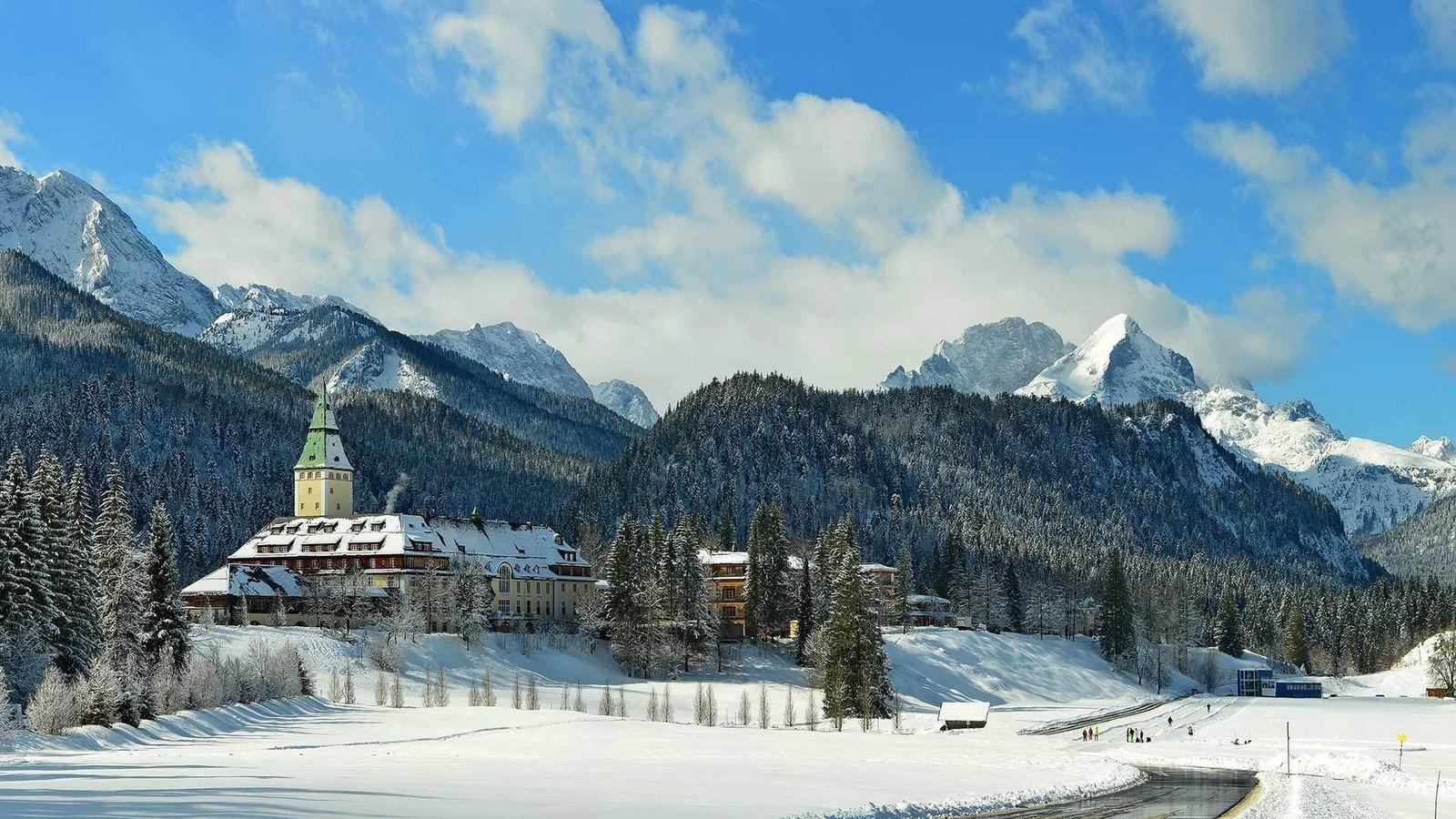 замок эльмау, крюн, гармиш-партенкирхен, бавария, германия, горы, деревья, зима, снег
