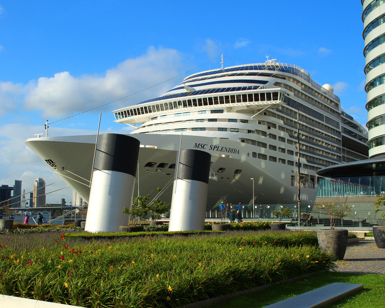 город, роттердам, корабль, здание, архитектура, вода, небо, скульптура, sky, rotterdam, holland, arhitect, лайнер, ship, liner