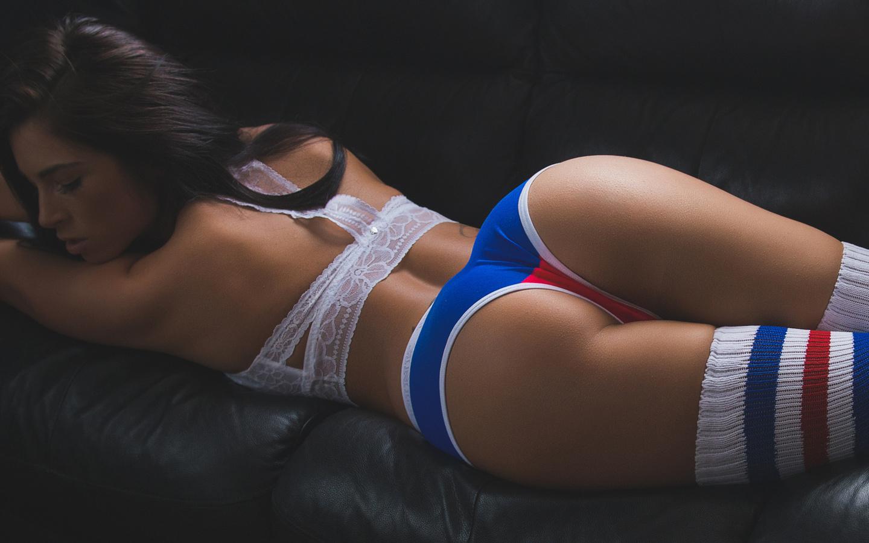 Онлайн девушка в трусиках