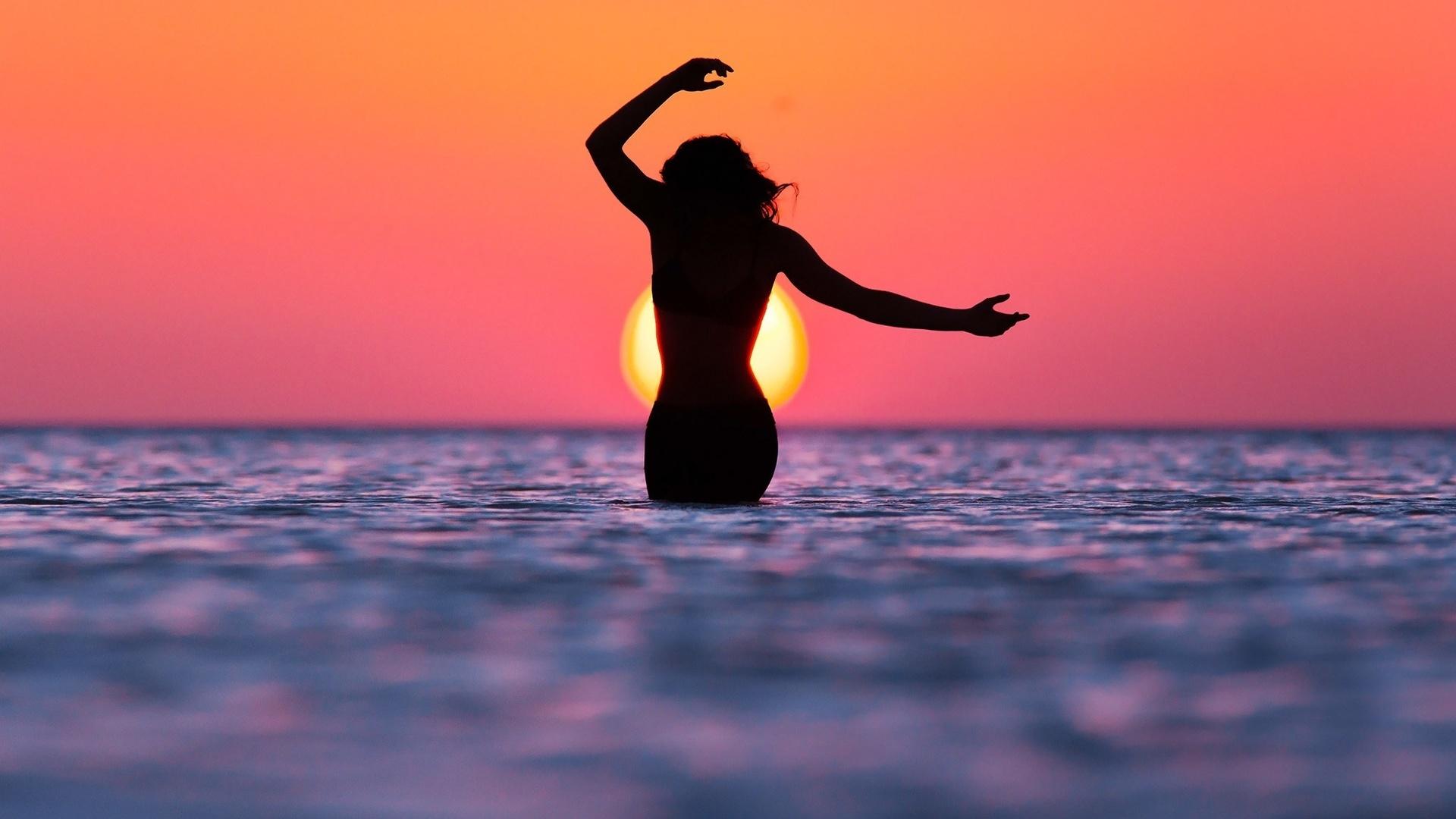 Открытку, картинки девушка и море на аватарку
