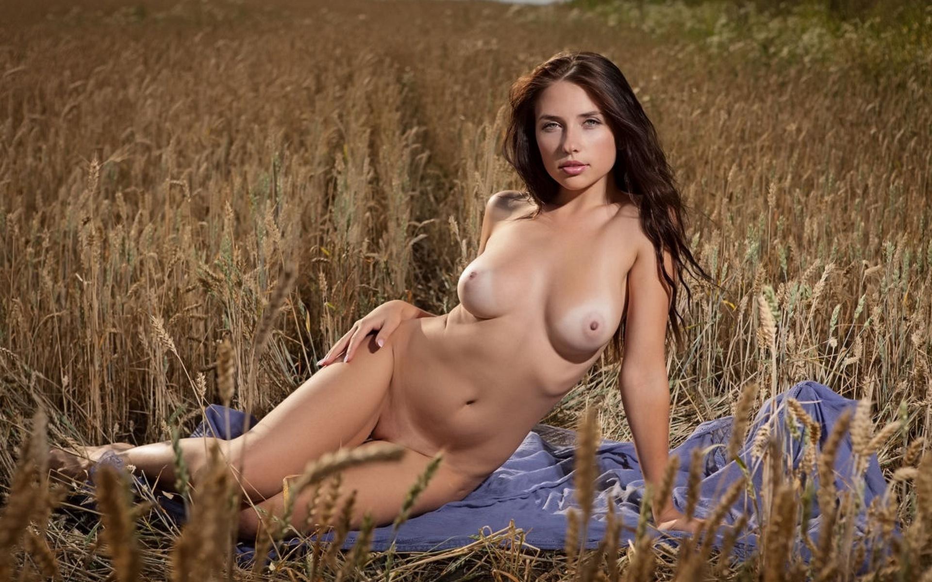 Обнаженные Русские Красивые Девушки Смотреть