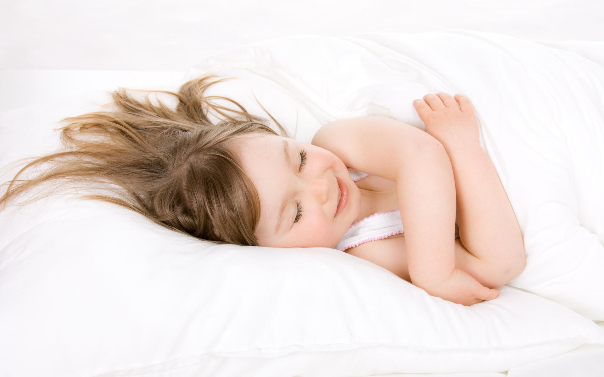 девочка, спит