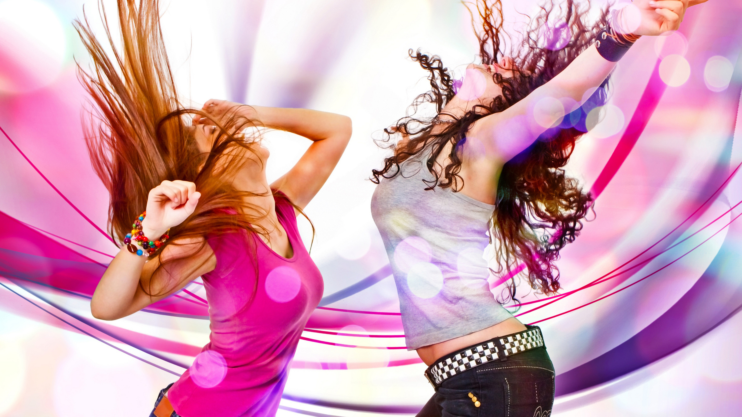 девушки, пара, танцы, музыка, движение, майка, джинсы, браслет