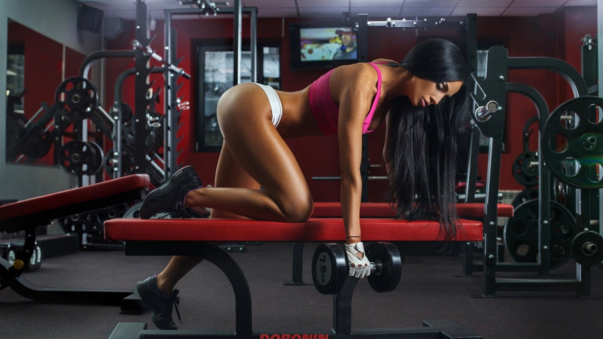 Русский трахает спортсменку, Спортсменки » Порно видео с молоденькими 18 летними 23 фотография