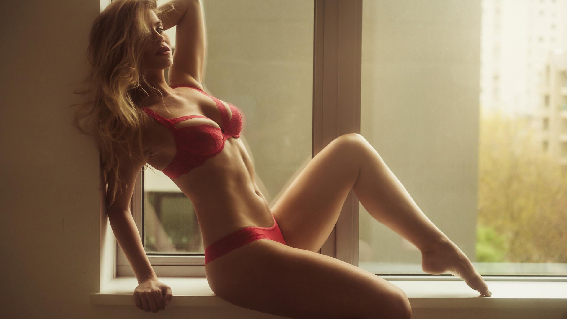 девушки красивые без нечего с красивой фигурой с красивой грудью упругой стоячей