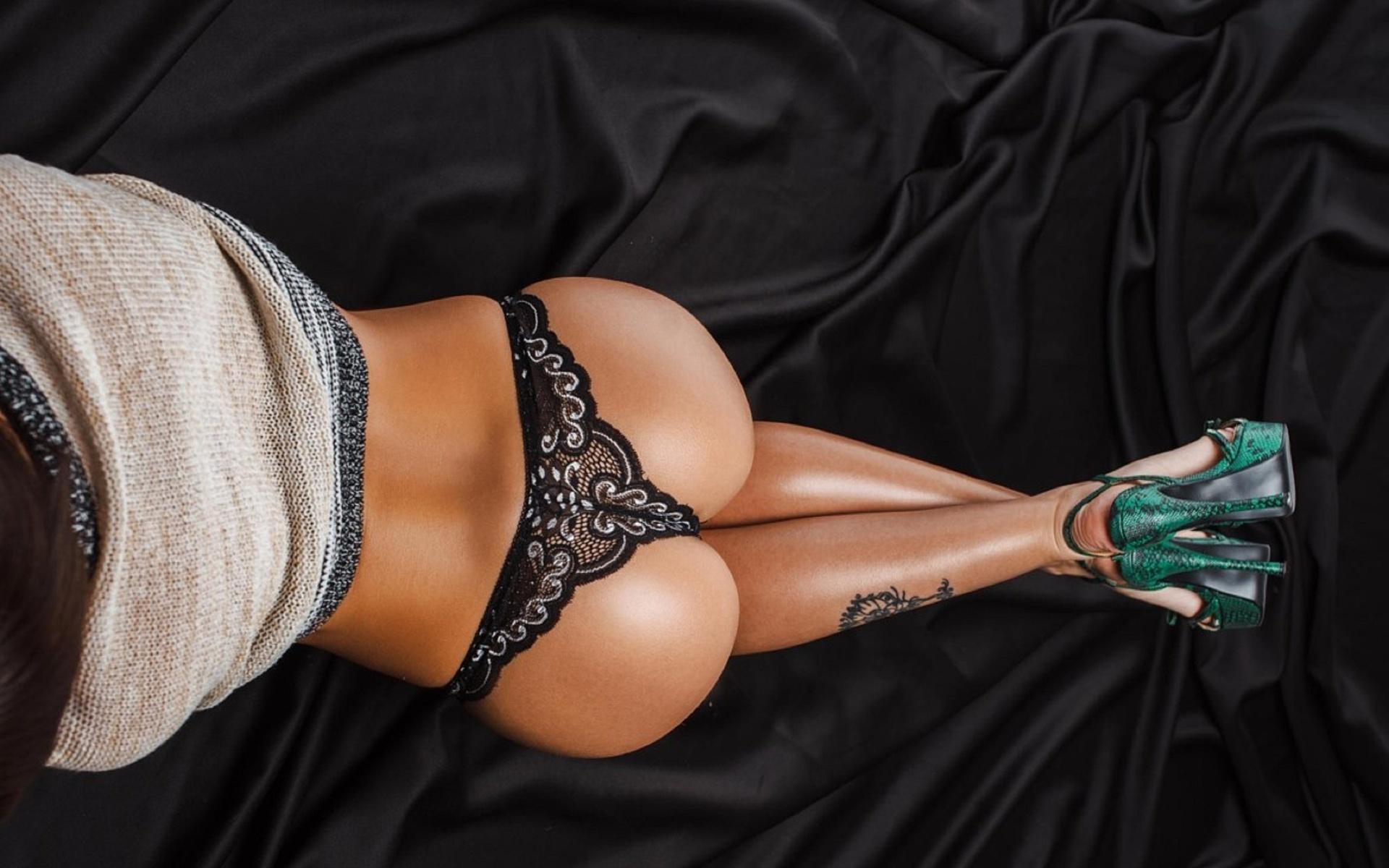 Порно с черными моделями с большим задом