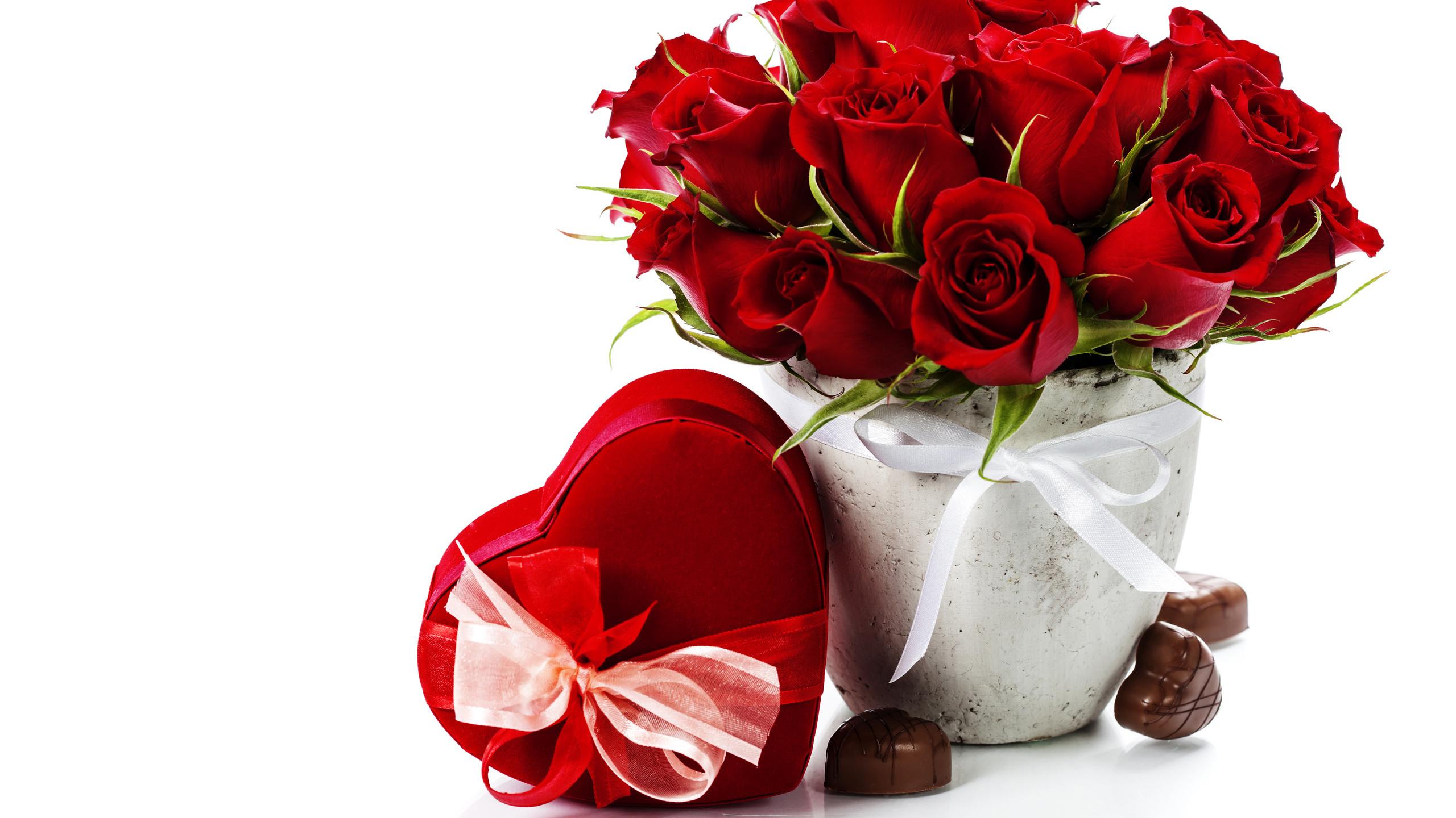 Открытка цветы и конфеты