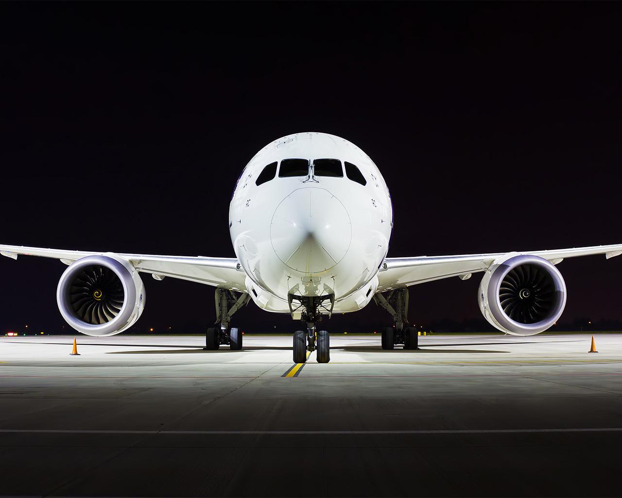 boeing 787, b787, dream)liner, самолёт, аэропорт, вечер, ночь