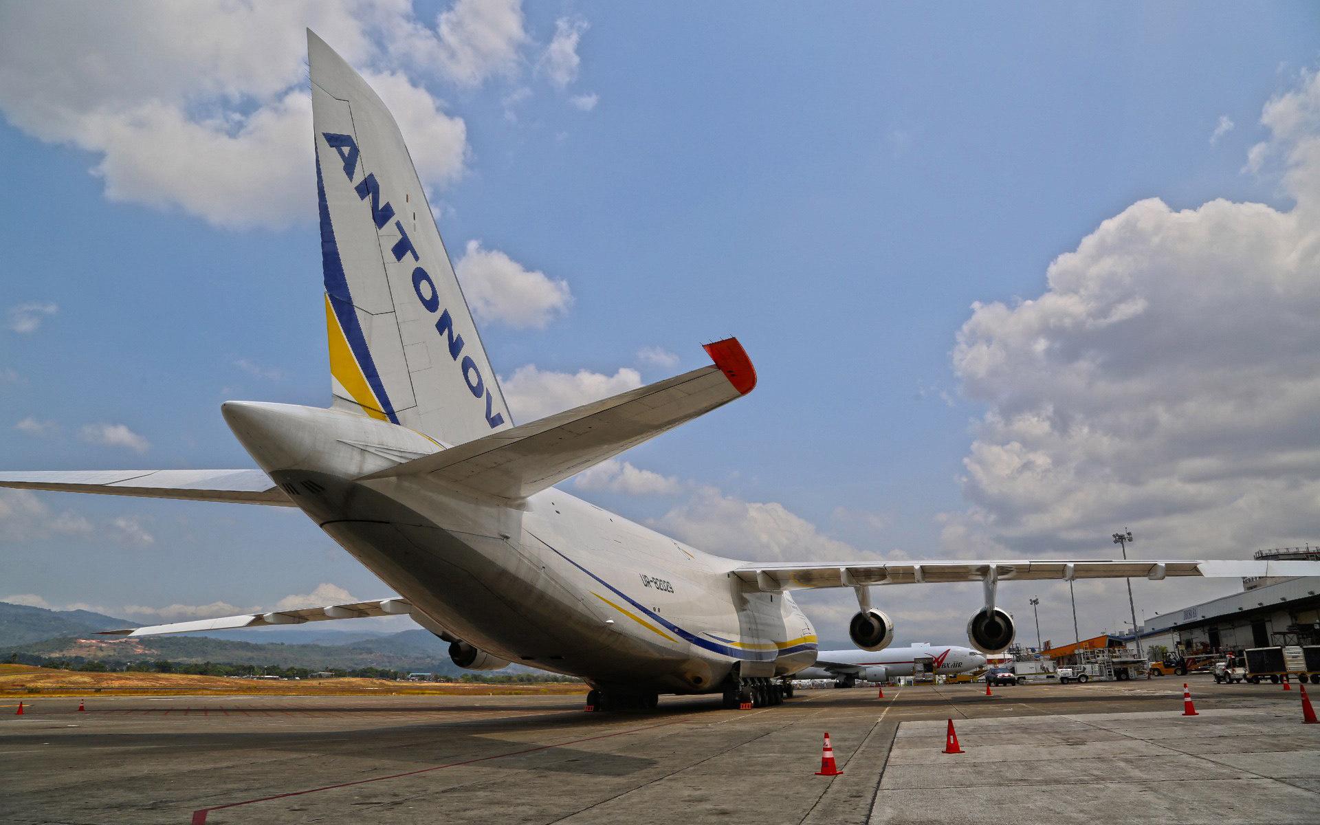 an 124, ан-124, ruslan, руслан, большой, грузовой, украина, синий, желтый, антонов, antonov