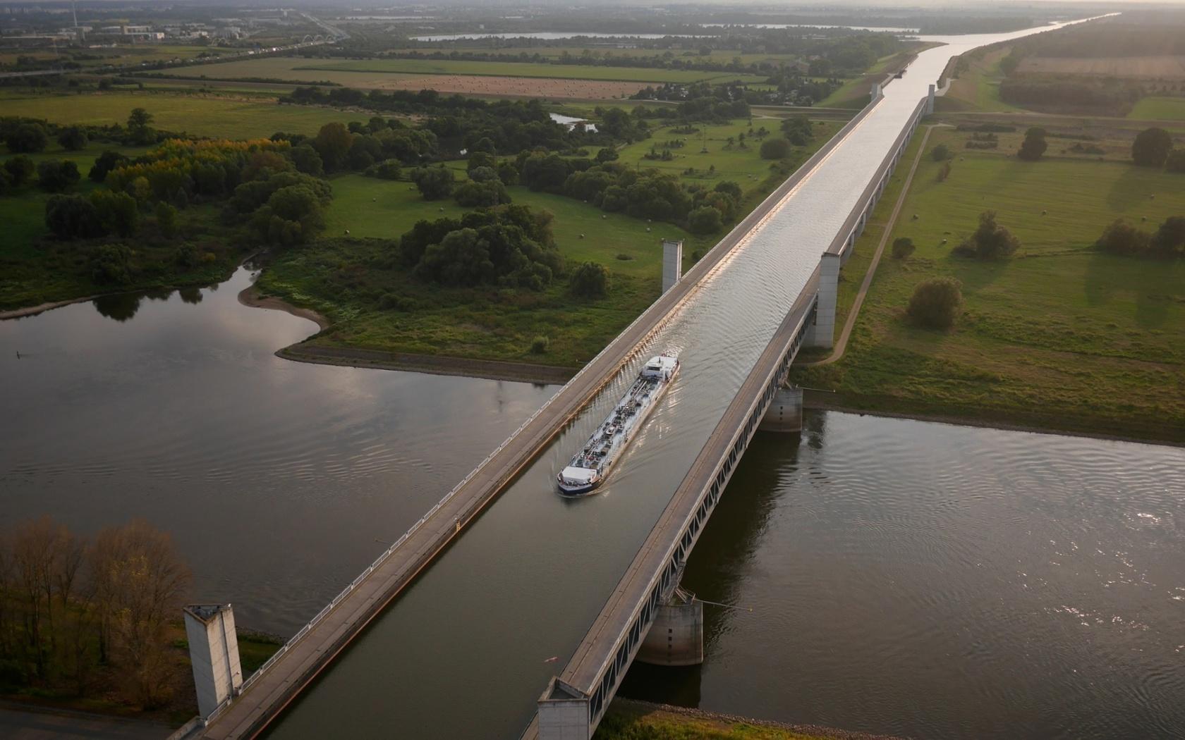 поскольку передние водный мост в бельгии фото выглядеть