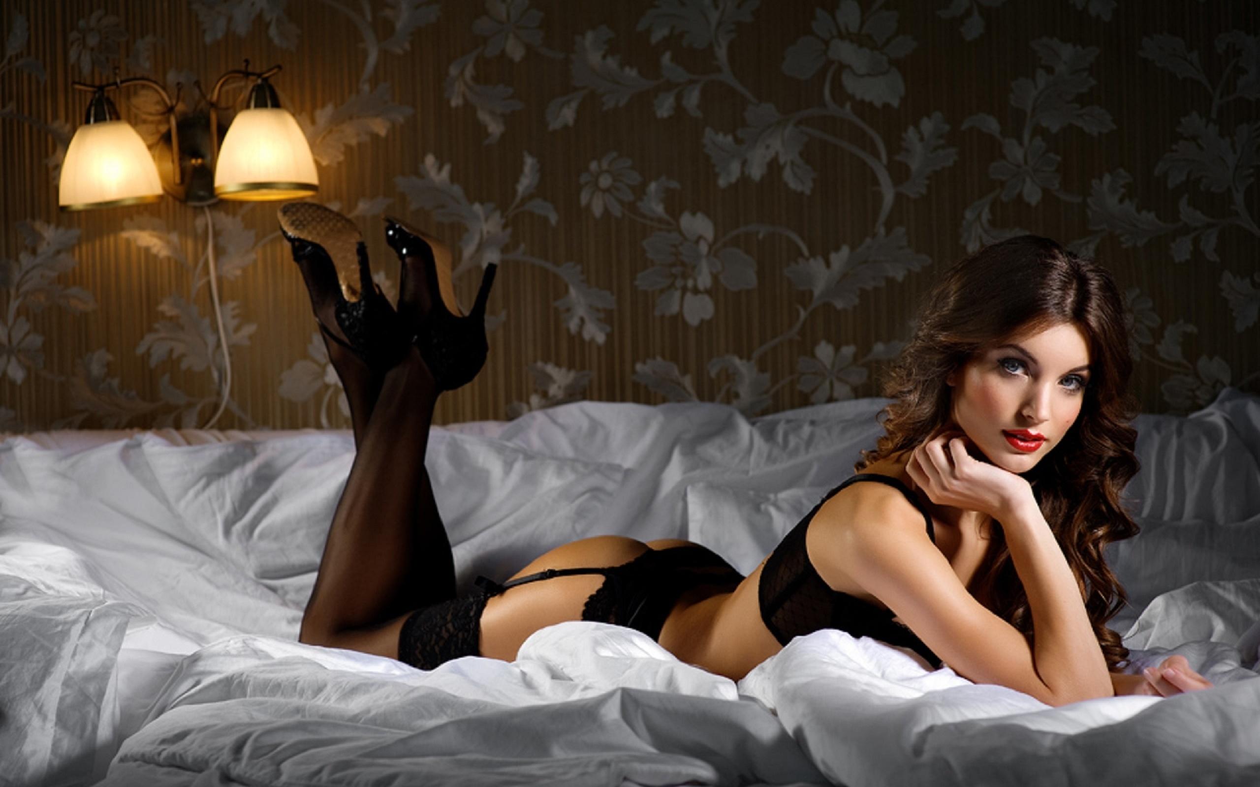 zhenshini-obolstitelnitsi-video-seks-muzha-s-blizkoy-podrugoy