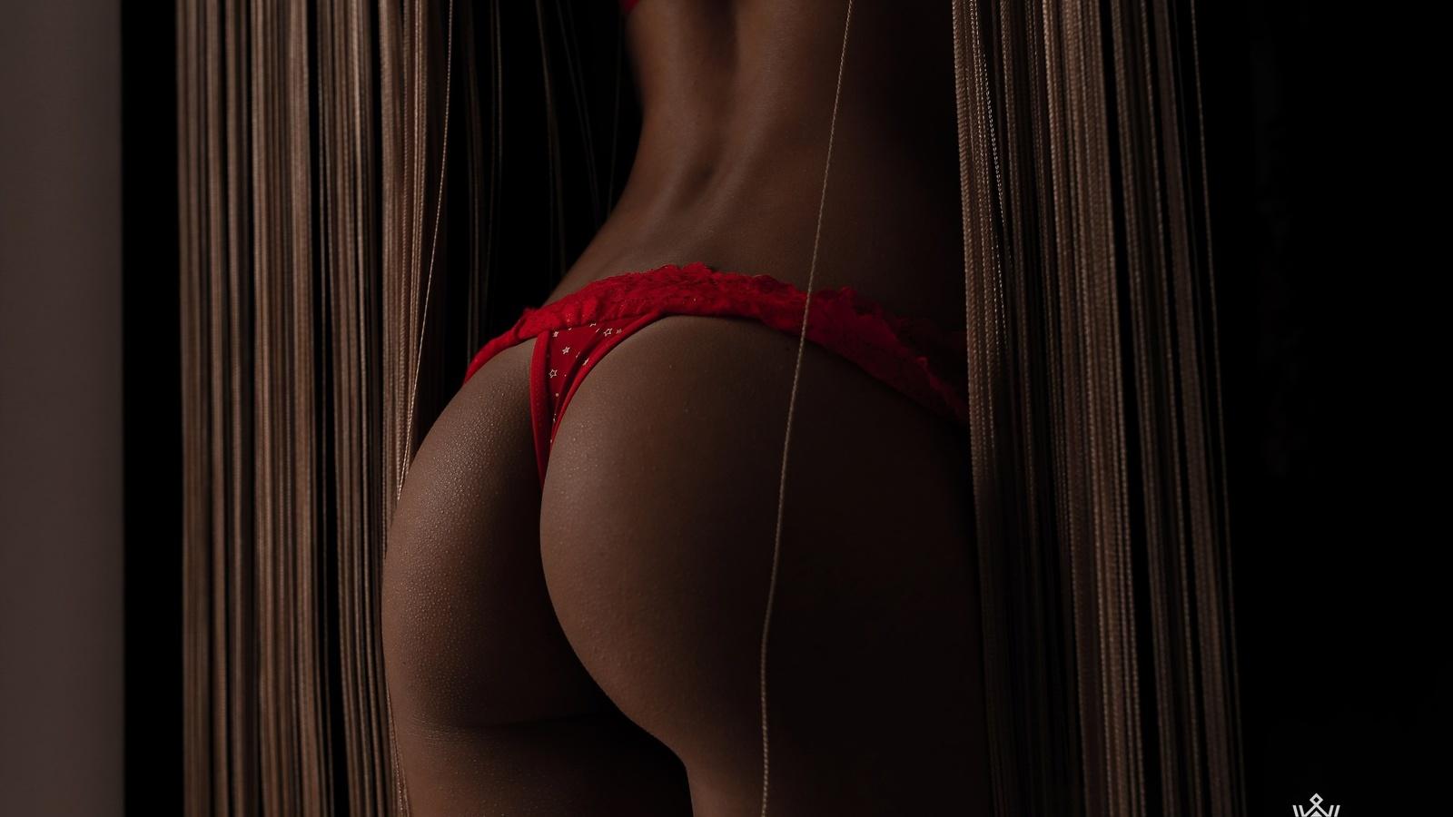 Красивые попки в красных стрингах, смотреть порно целует рот в сперме