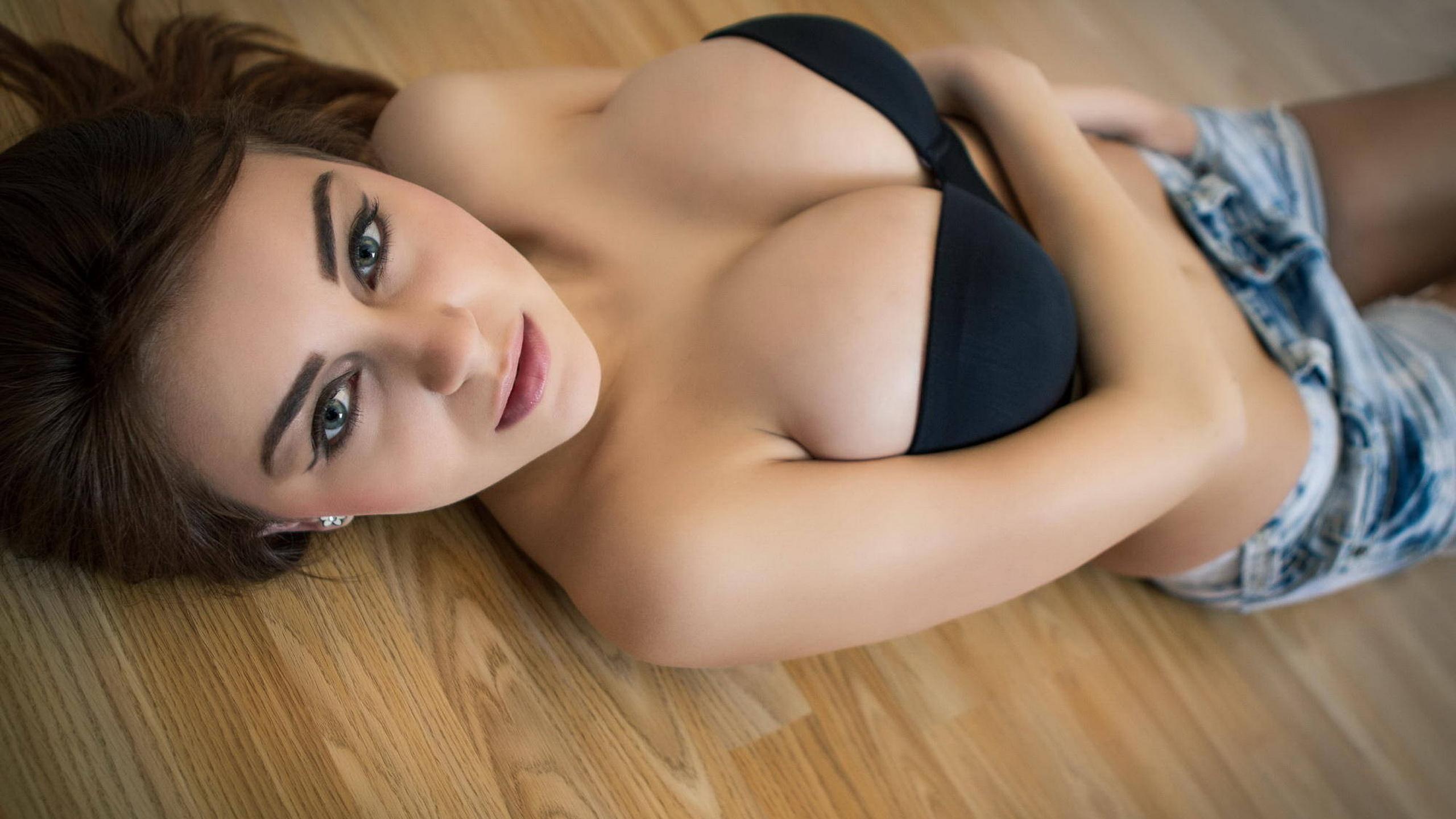 Сиськи круглые девчонок, круглые сиськи » Эротика онлайн, HD видео красивых 1 фотография
