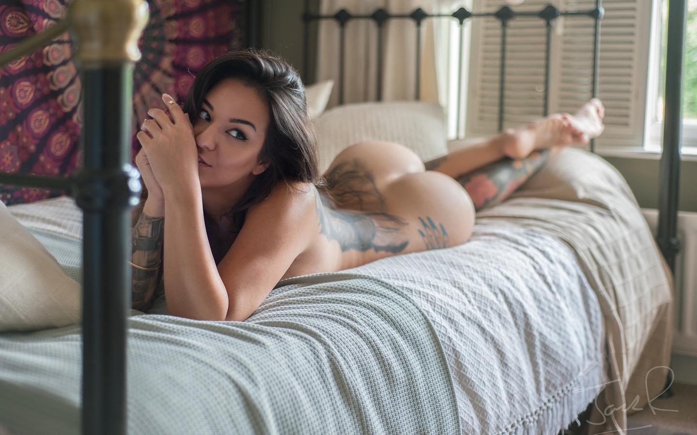 lying, bed, tattoo, leg, face, cute, sexy