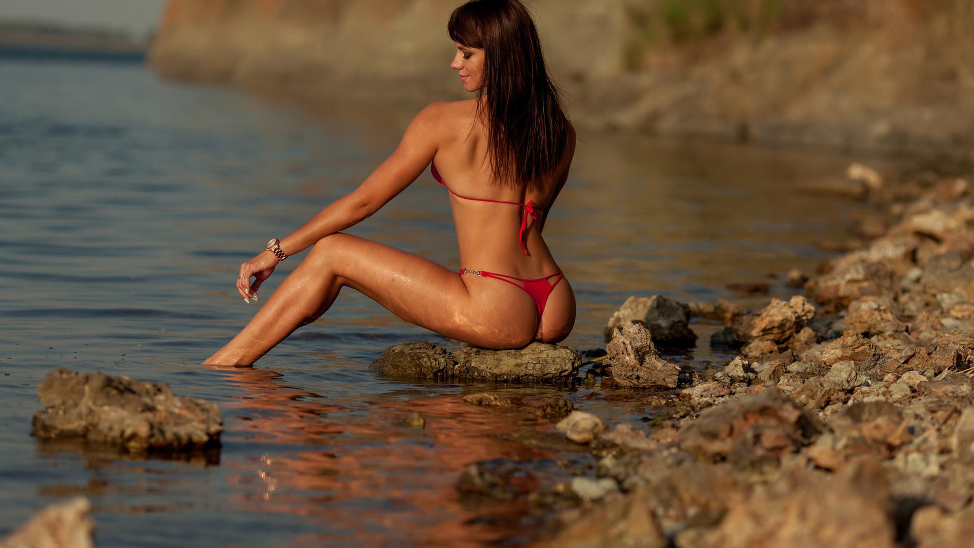 Фото бикини на речке, Девушки рыбачат в бикини (39 фото) » Триникси 11 фотография