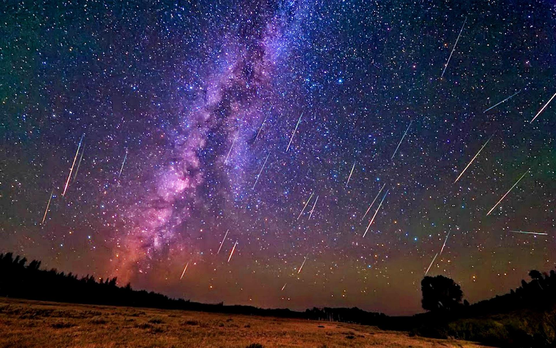 метеорный поток года, персеиды, хвост кометы свифта-туттля, звездный дождь