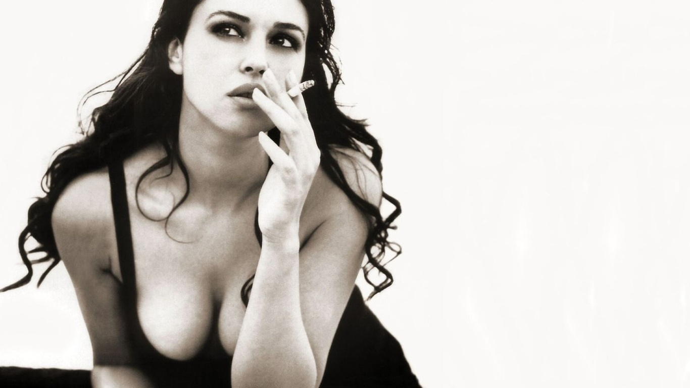 monica bellucci, with a cigarette, photo, black and white