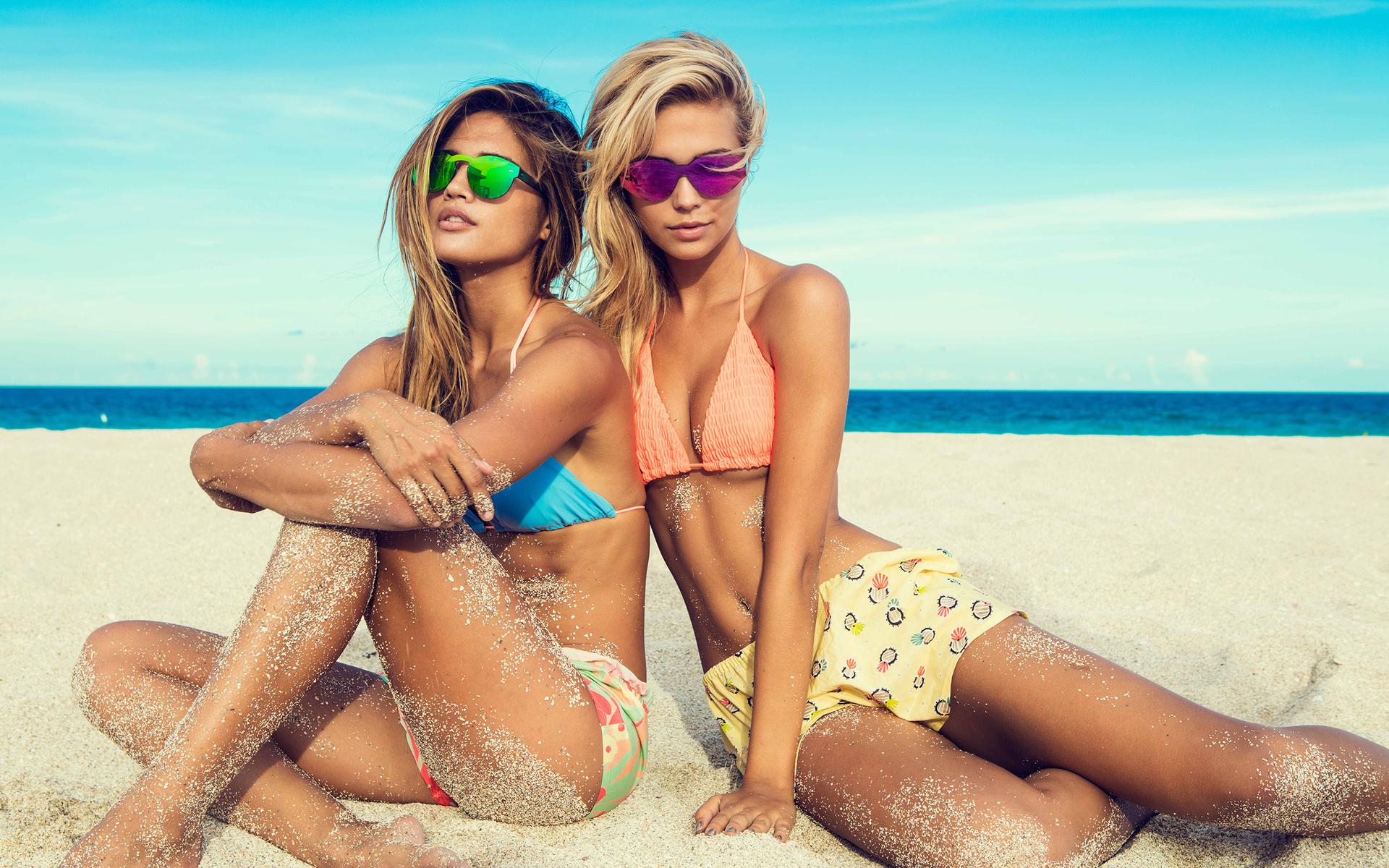делала наши девушки в турции на пляже в клубе несколько