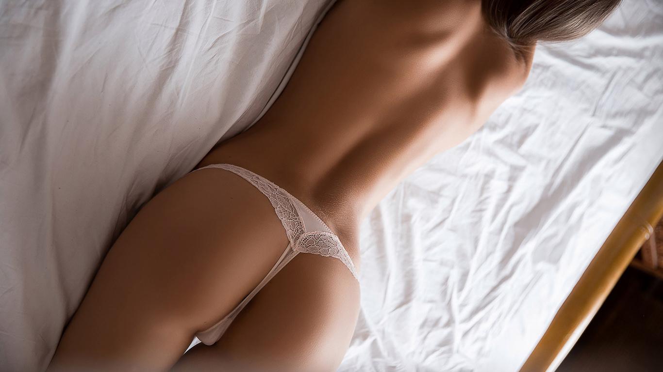 Фото девушек в белых сексуальных трусиках, Девушка в красивых белых трусиках » Фото голых 26 фотография