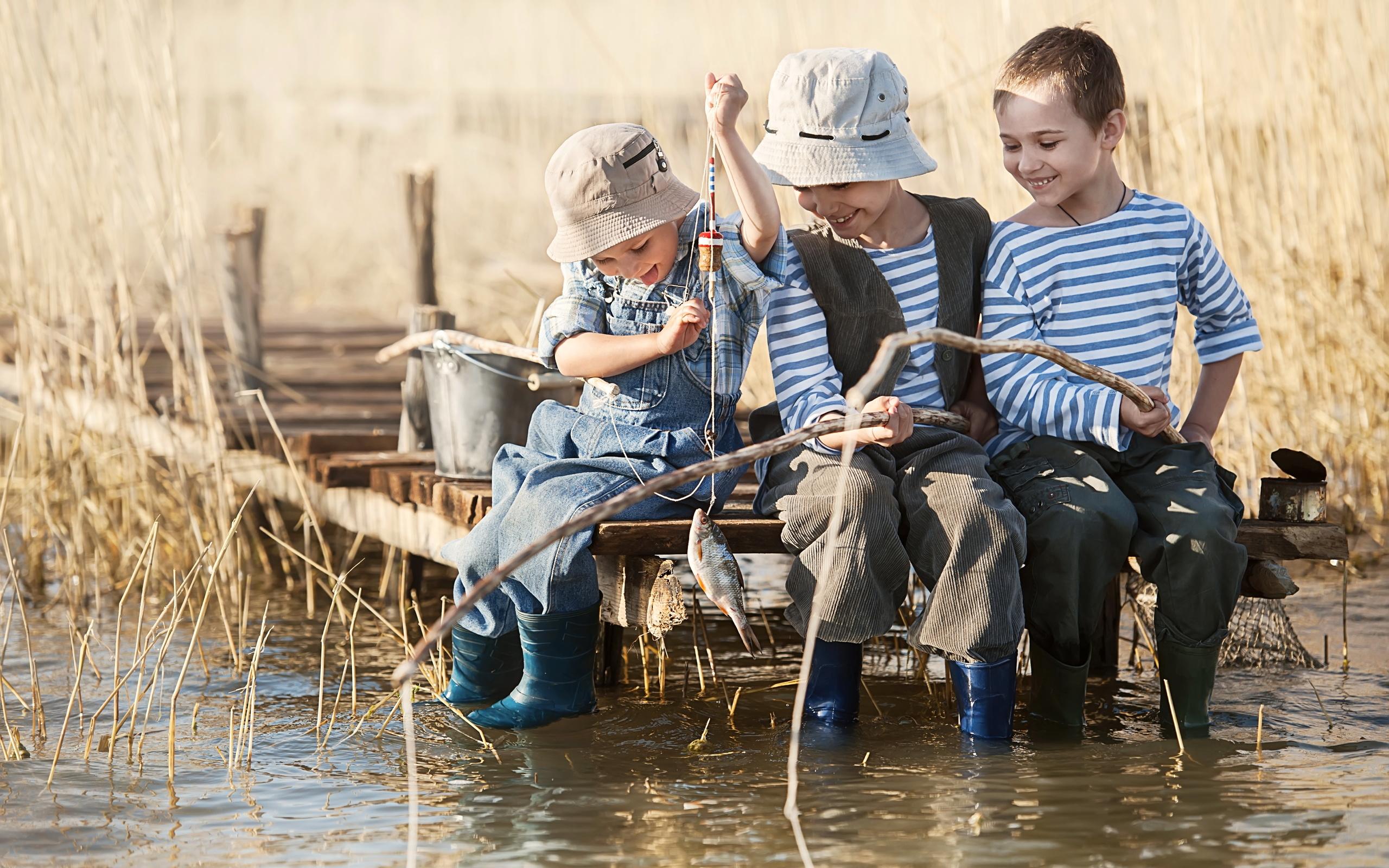 Смешные картинки дети играют, надписями английскими телефон