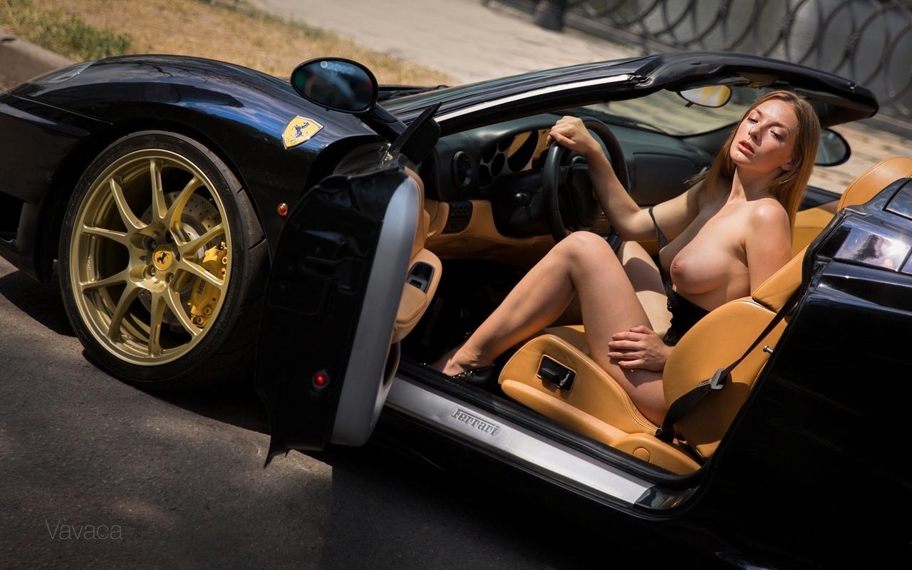 Видео голые авто и девушки
