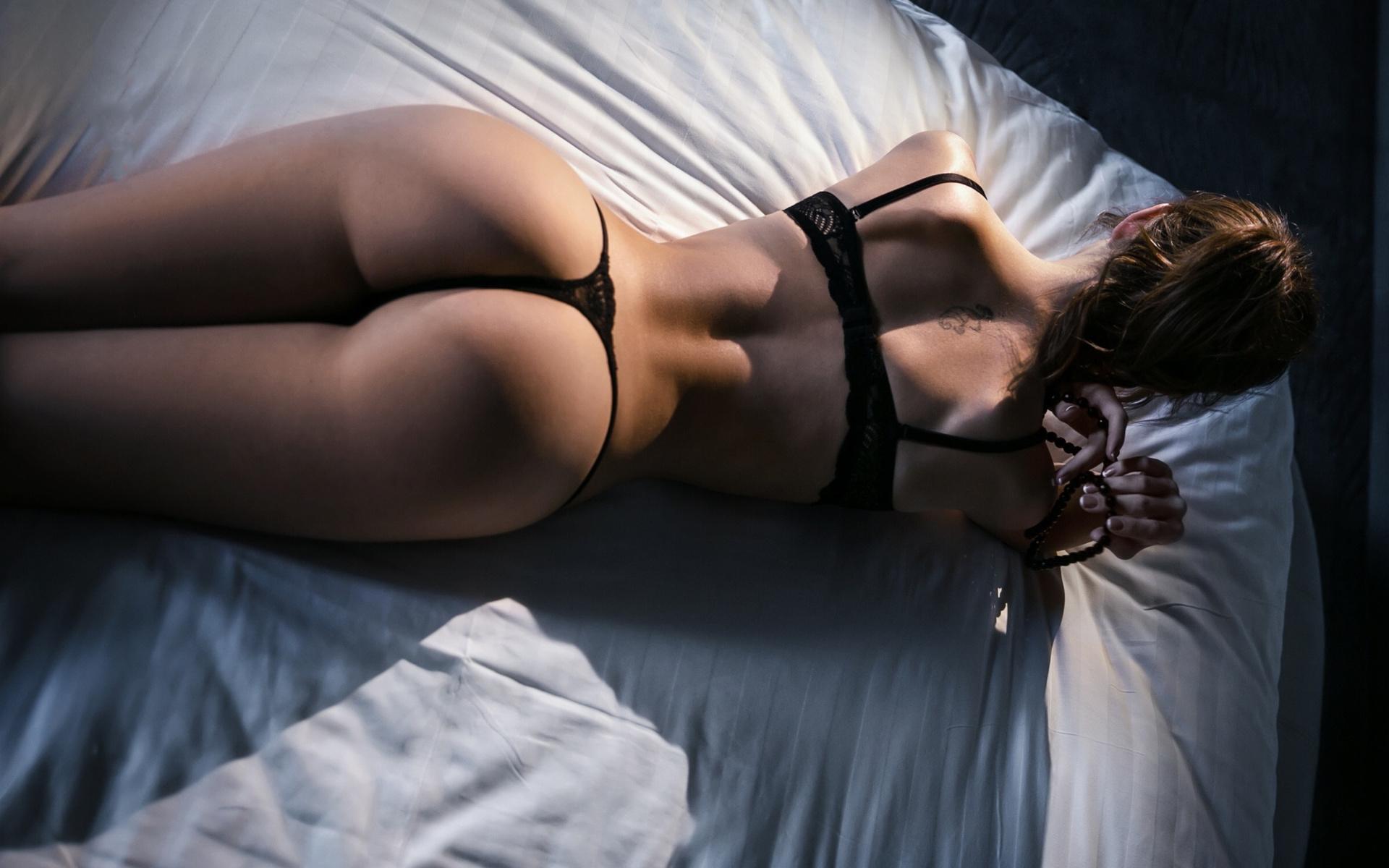 частная эротика девушки позируют попкой в нижнем белье него действительно