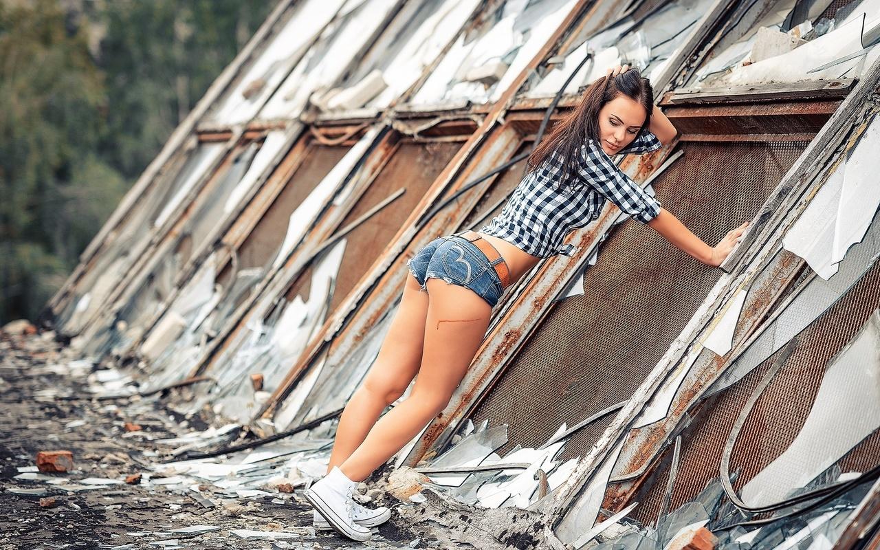 девушка, модель, рубашка, шортики, фотограф, антонов алексей, шорты, кеды, кроссовки