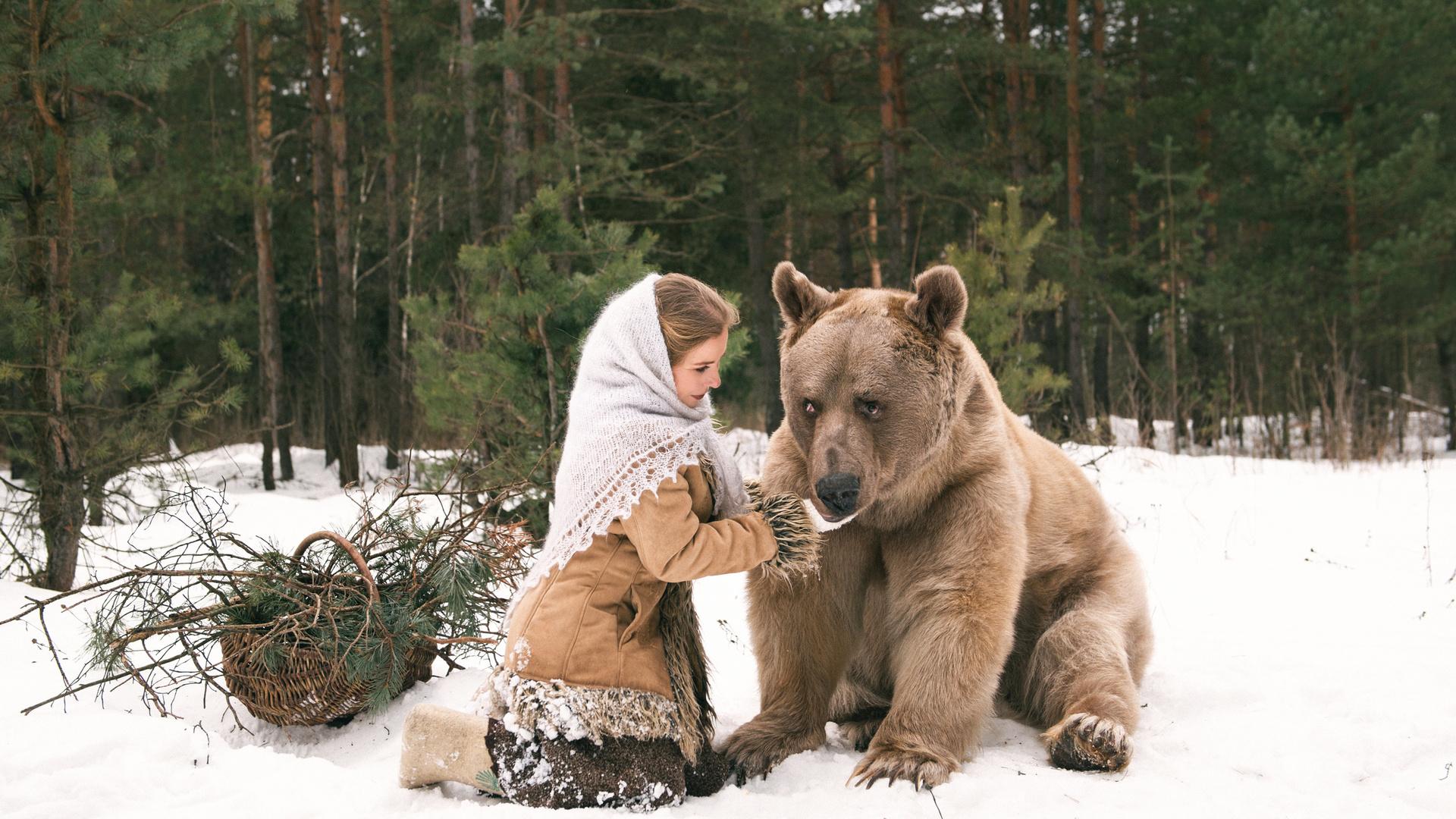 девушка, медведь, снег, зима