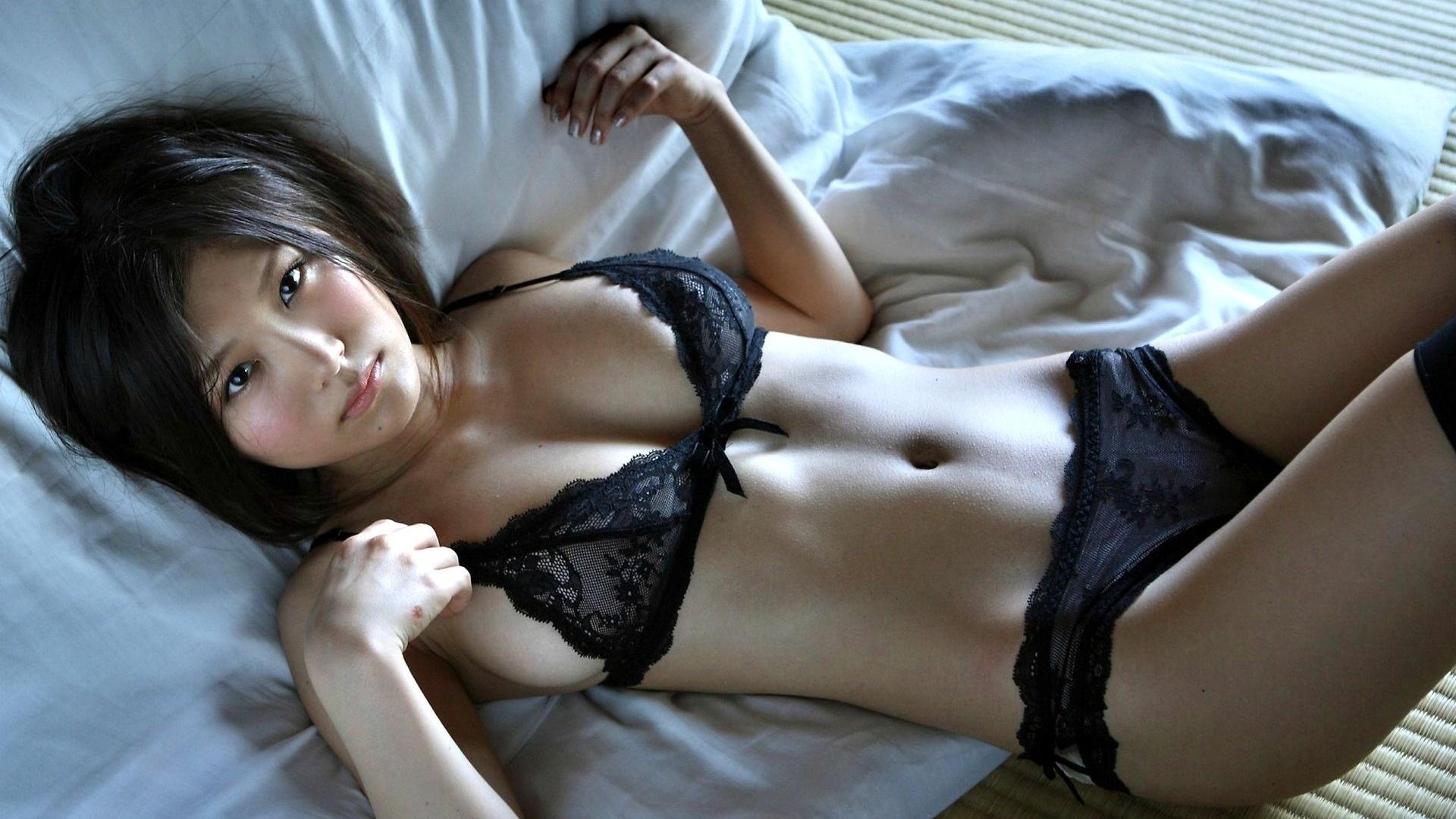 это фото японок в сексуальном белье показалось