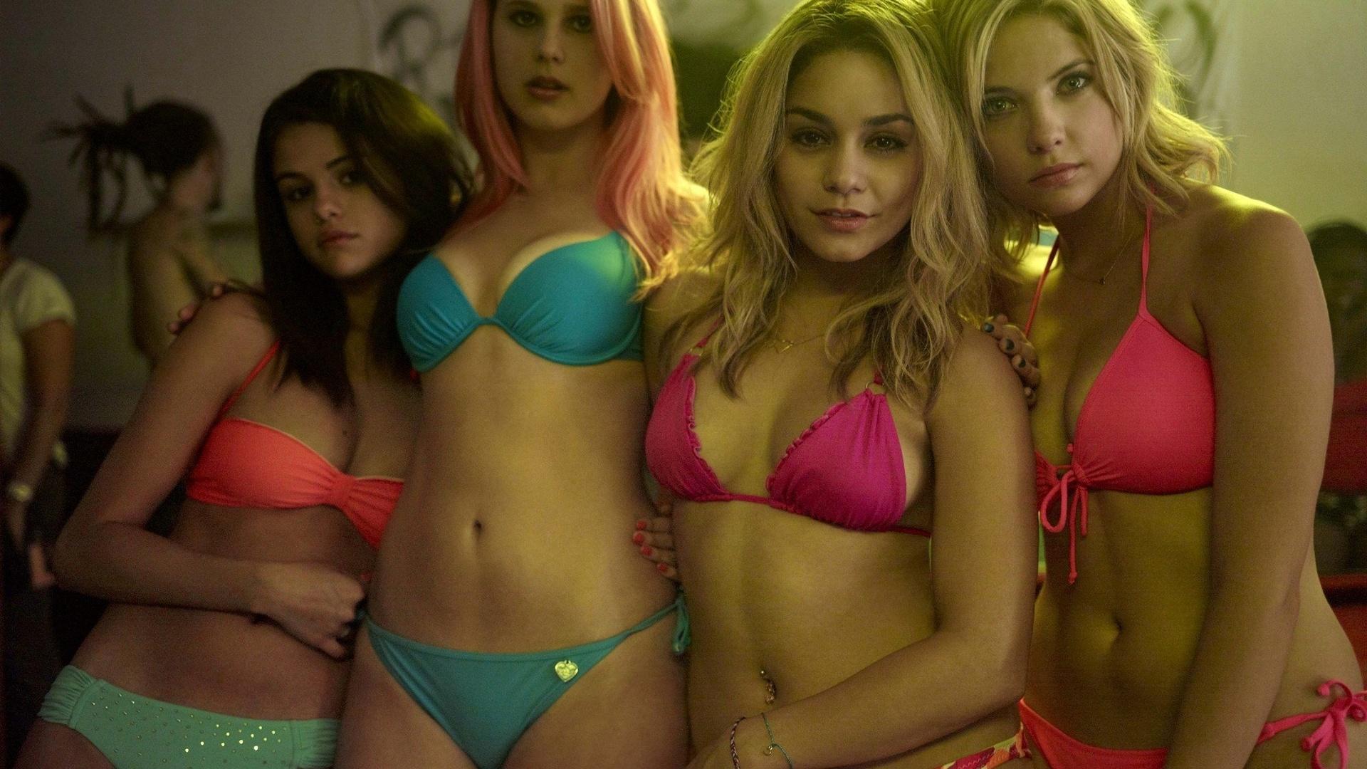Секс видео молодой девки это