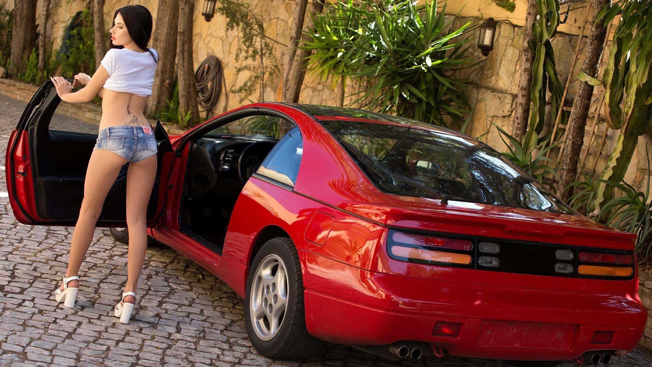 Фото авто девки, Сексуальные девушки и автомобили 27 фотография