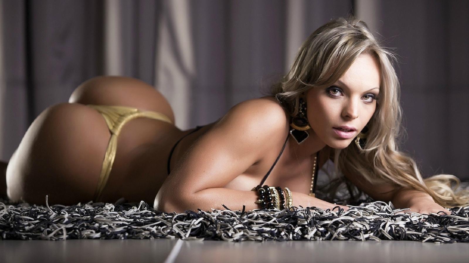 Самые сексуальные девушки всех времен, Самые красивые женщины всех времён по версии 1 фотография