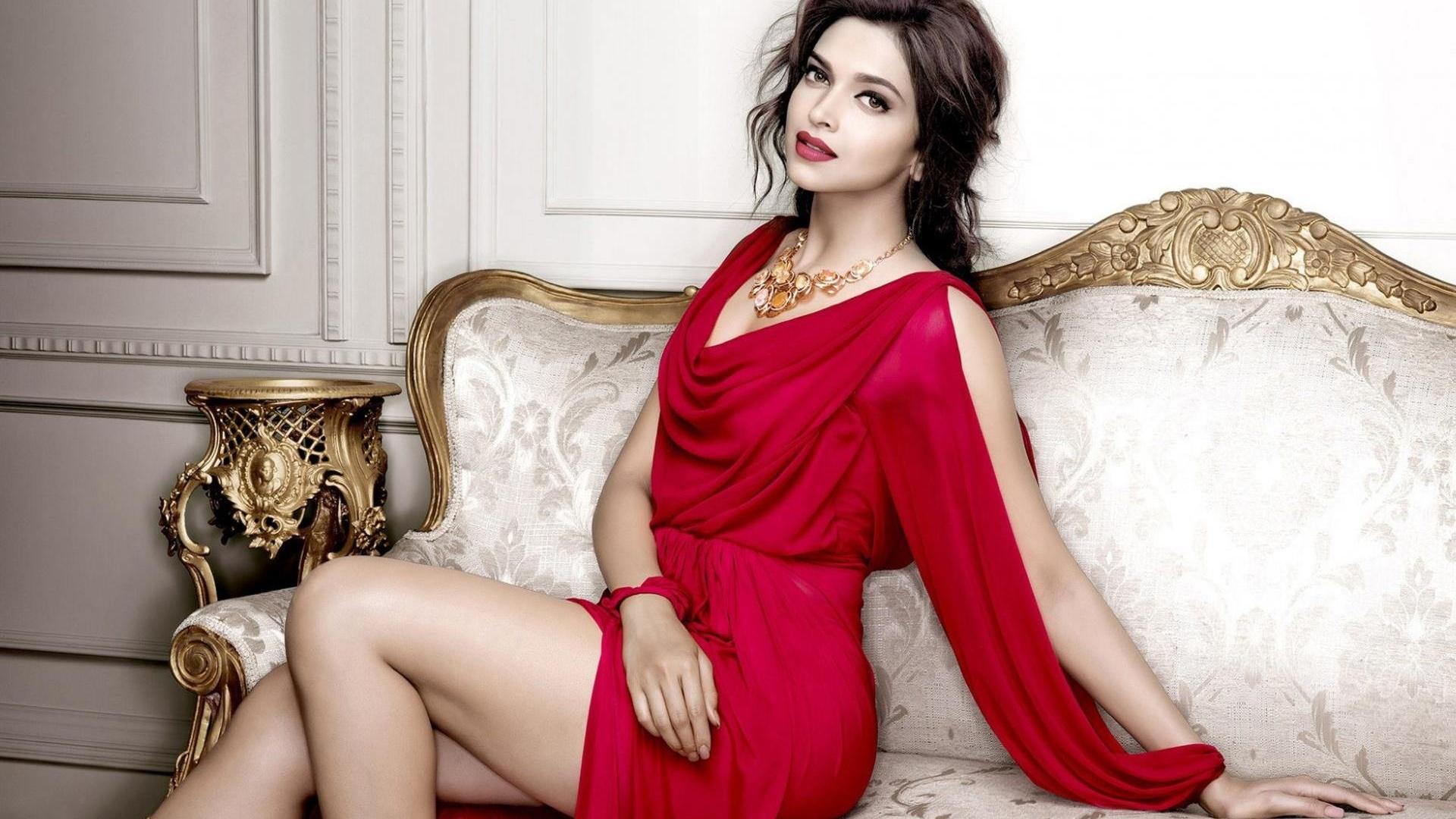 Смотреть фильмы элитные богатые дамы красивыми формами, голые сочные дамочки фото