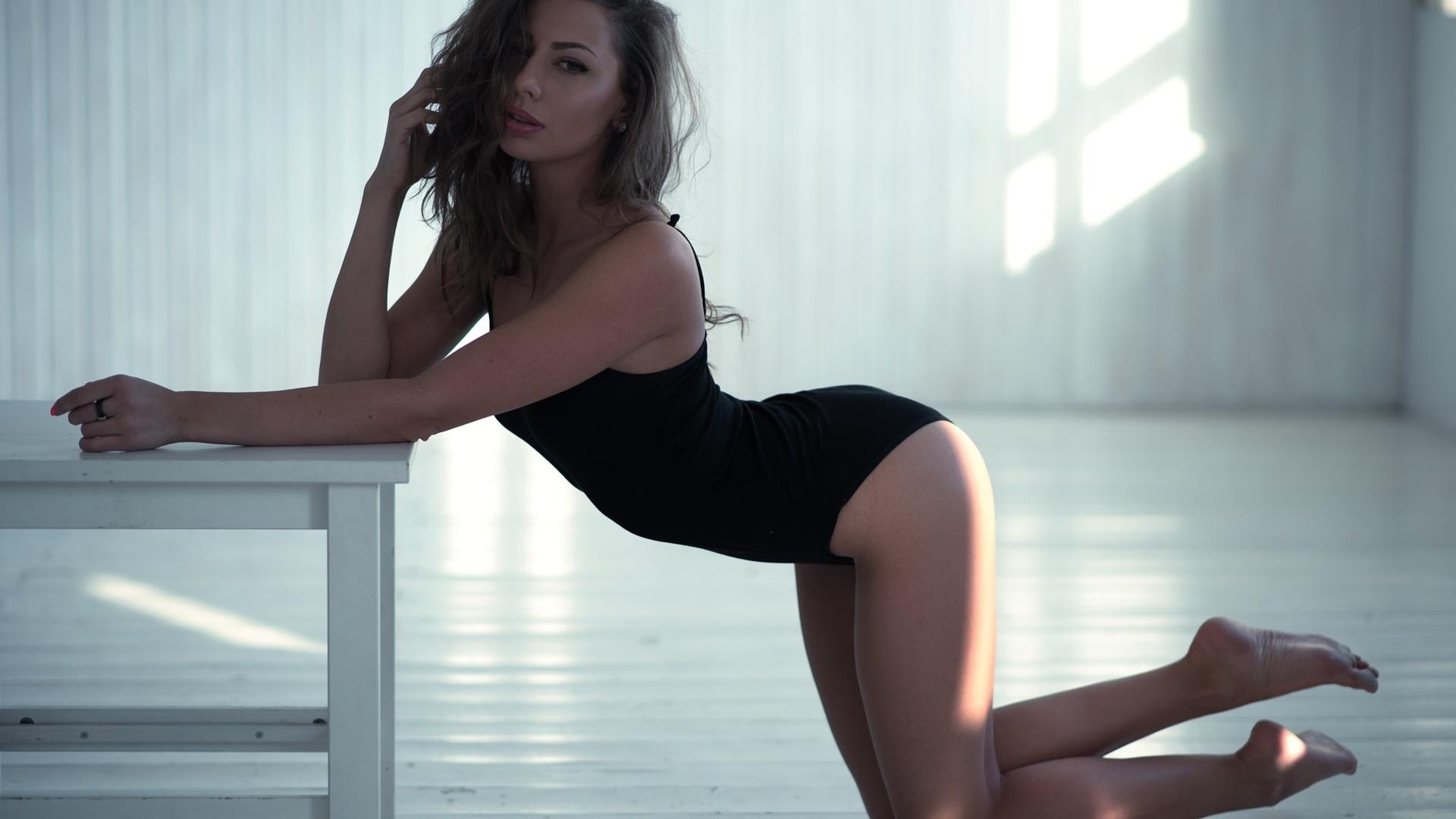 девушки стоя на коленях фото она результате